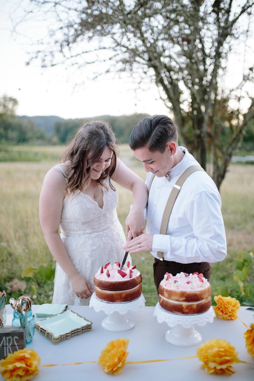 summer+oregon+wedding+openfield+farm-148.jpg