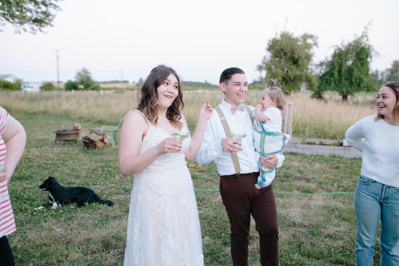 summer+oregon+wedding+openfield+farm-152.jpg