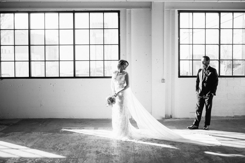 industrial+wedding+mcminnville+oregon+styled-15.jpg