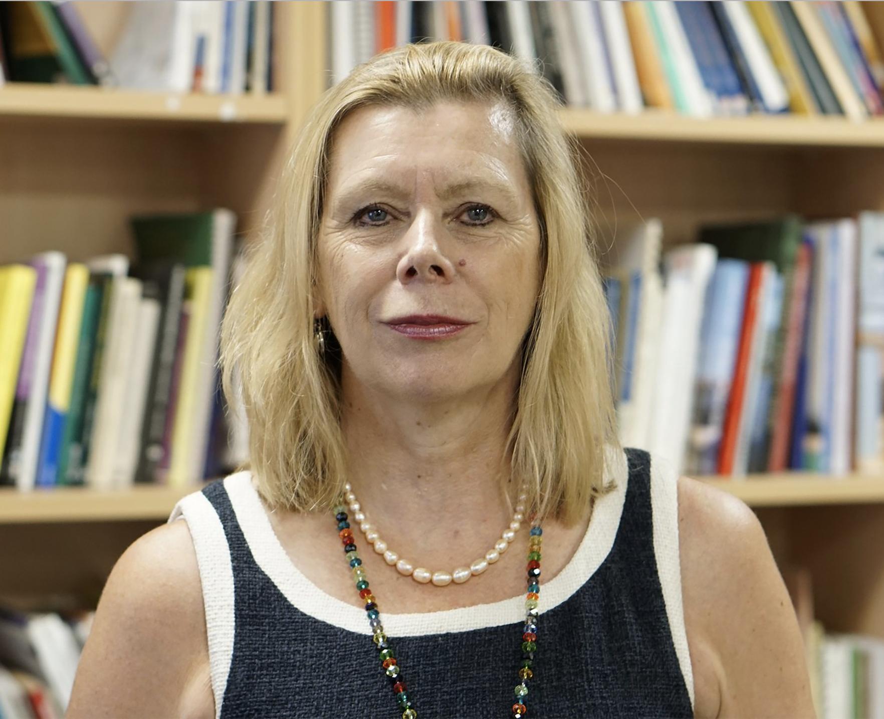 I dipartimenti delle risorse umane continuano a considerare i lavoratori anziani come un problema di gestione e non un'opportunità - Domini Bingham, docente di Leadership educativa all'UCL di Londra e autrice di un saggio sul rapporto fra ageismo ed economia