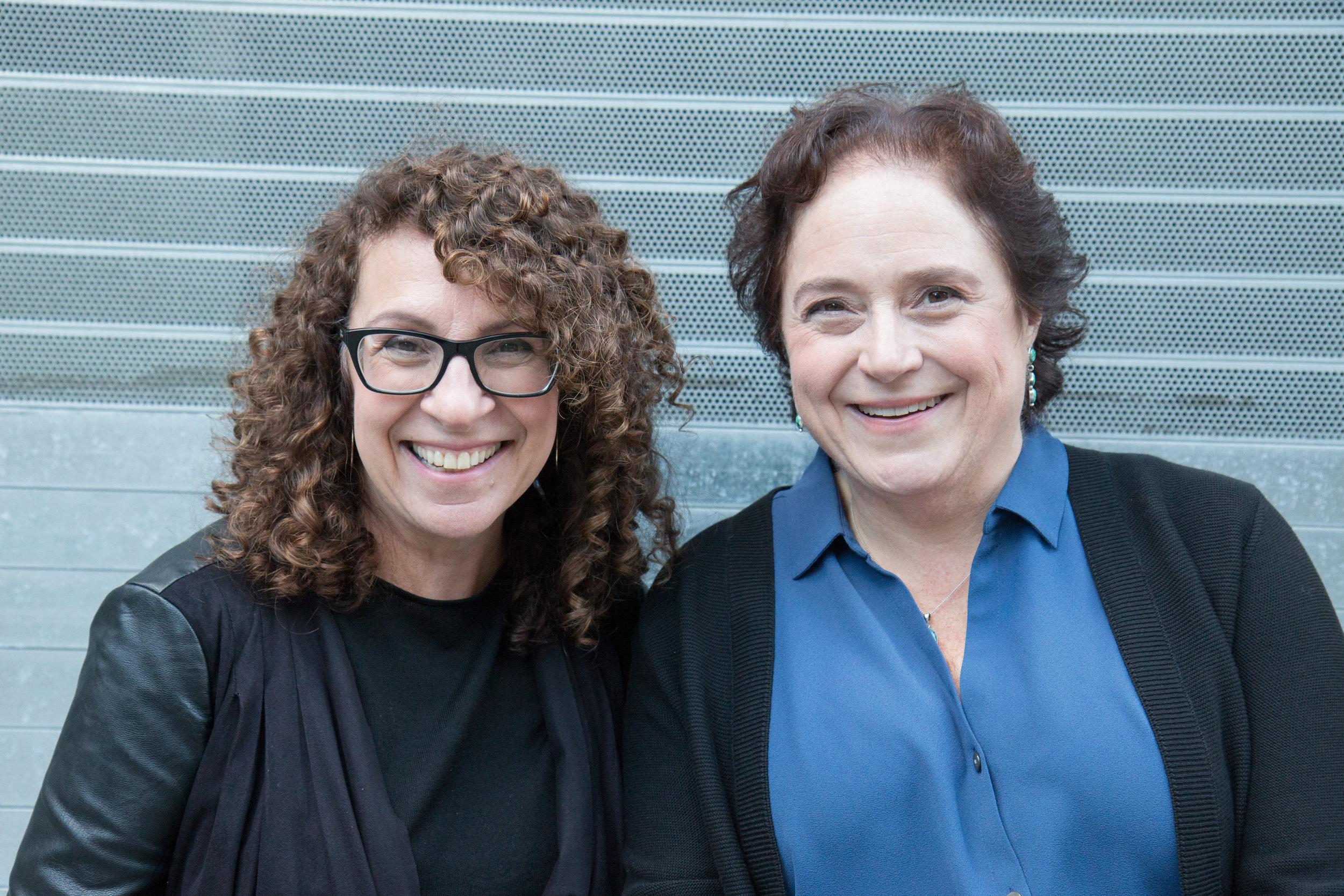 Vogliamo che le donne assumano un ruolo attivo nella definizione del loro futuro - Cecilia Dintino e Hannah Murray Starobin sono le co-fondatrici di Twisting the Plot, un programma che aiuta a immaginare nuove direzioni