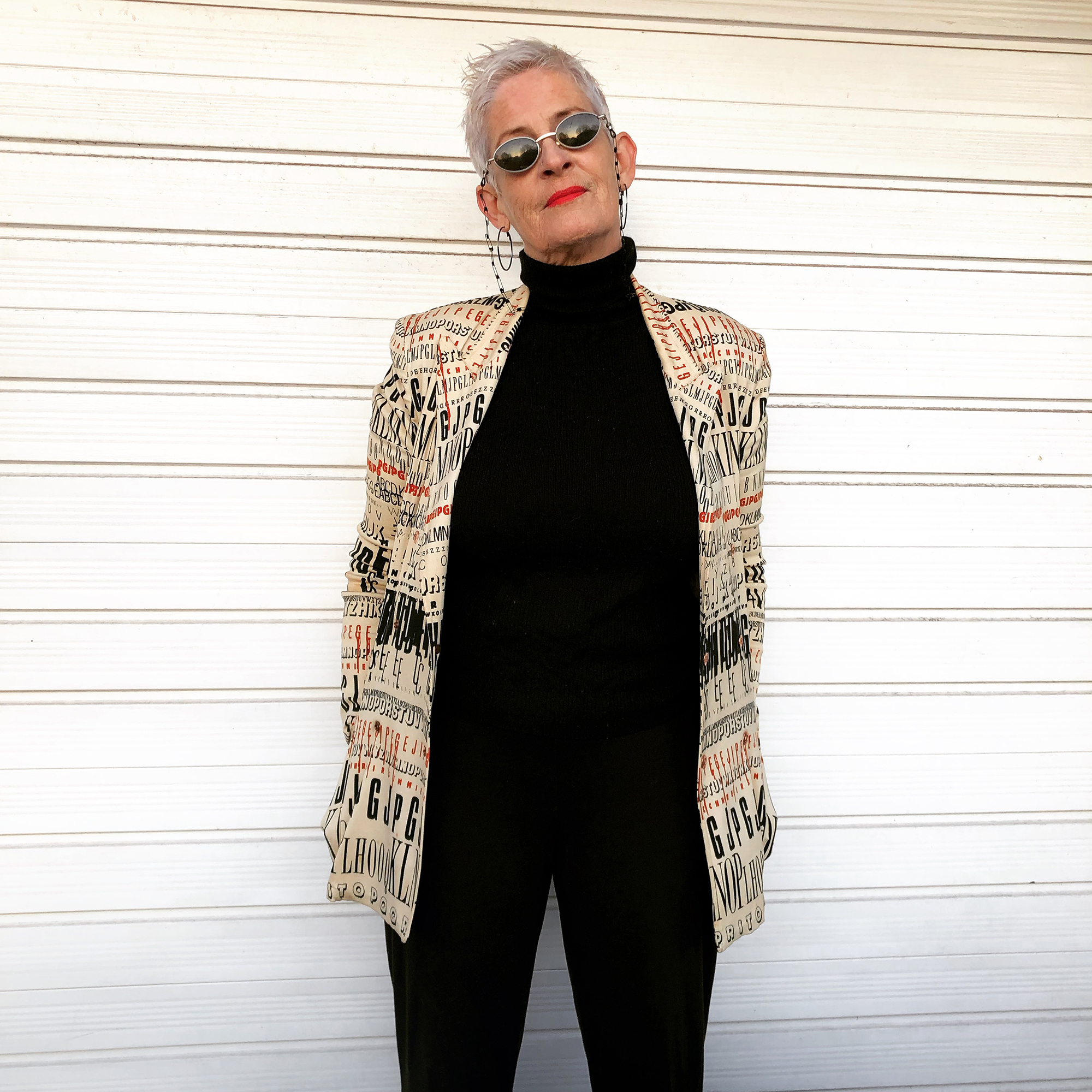 La cosa triste di guardarti diventare invisibile è che puoi iniziare a crederci - Jane Evans, fondatrice di The Uninvisibility Project, un'iniziativa che sensibilizza e contrasta la pressione sociale che esilia nel dimenticatoio le donne che invecchiano