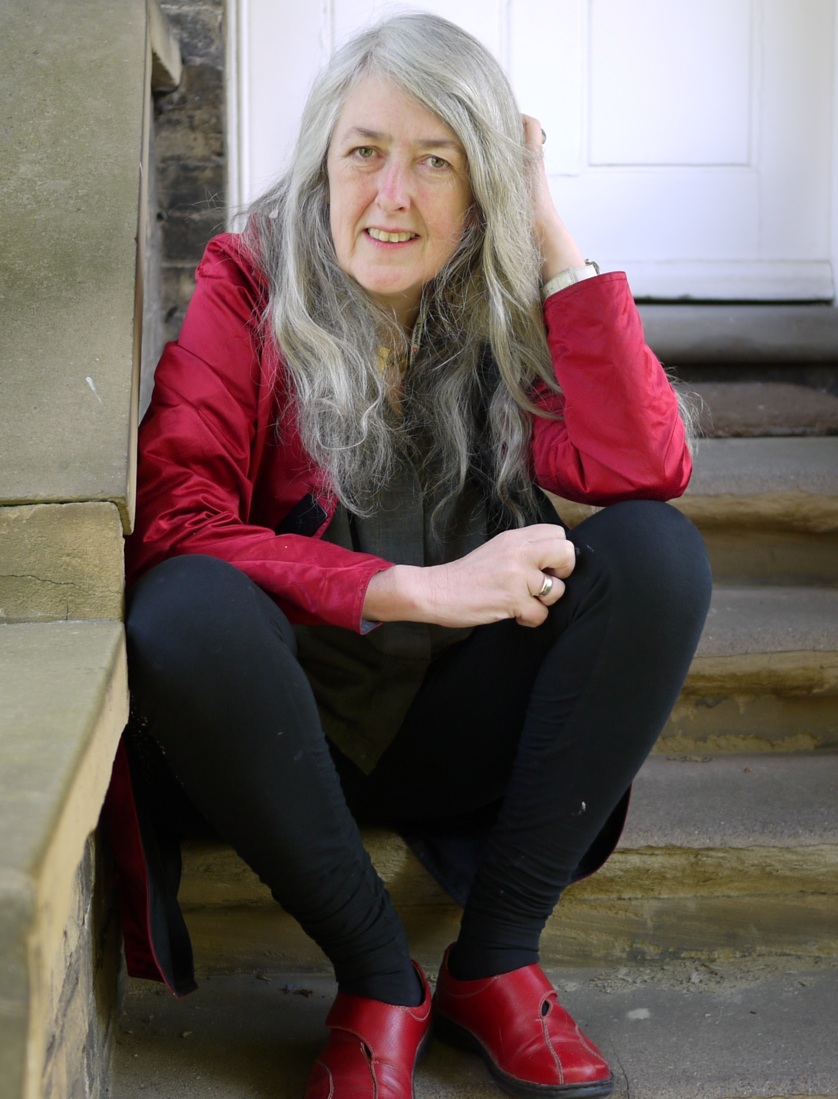 I can't understand why so many women are desperate to make themselves look younger - Dame Winifred Mary Beard, DBE, FSA, FBA, British scholar and professor of Classics at the University of Cambridge