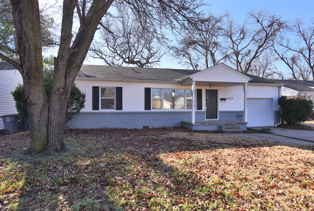 Live near the Gathering Place. Adorable home with hardwoods thruout. Updated kitchen w/roomy eat in area. Lots of natural light.Inside laundry. Fenced backyard includes a basketball court! Selling As Is (No known defects) Roof 2013. Lease/Purchase option