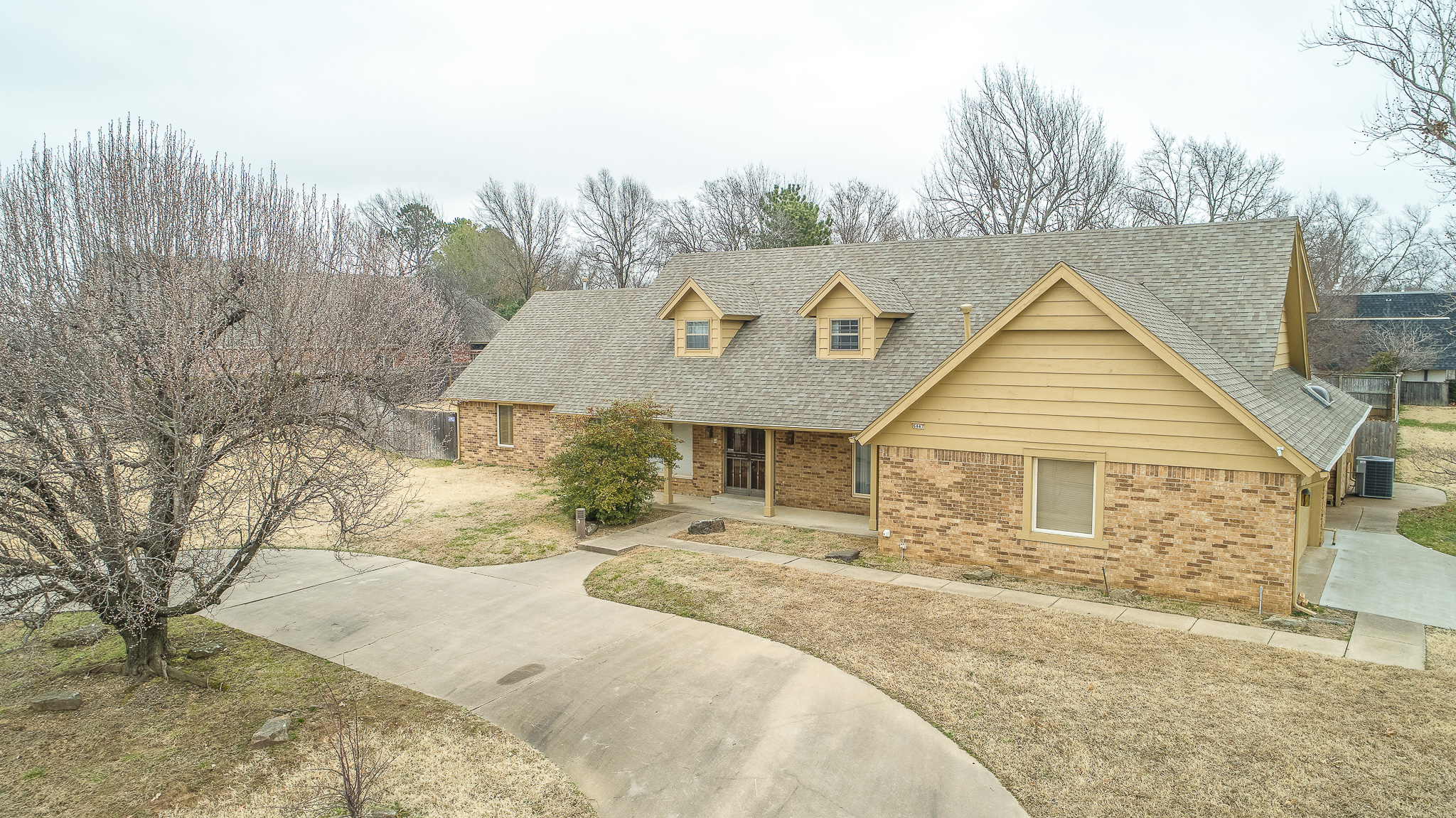 6447 S Indianapolis Ave - $299,500 - SOLD