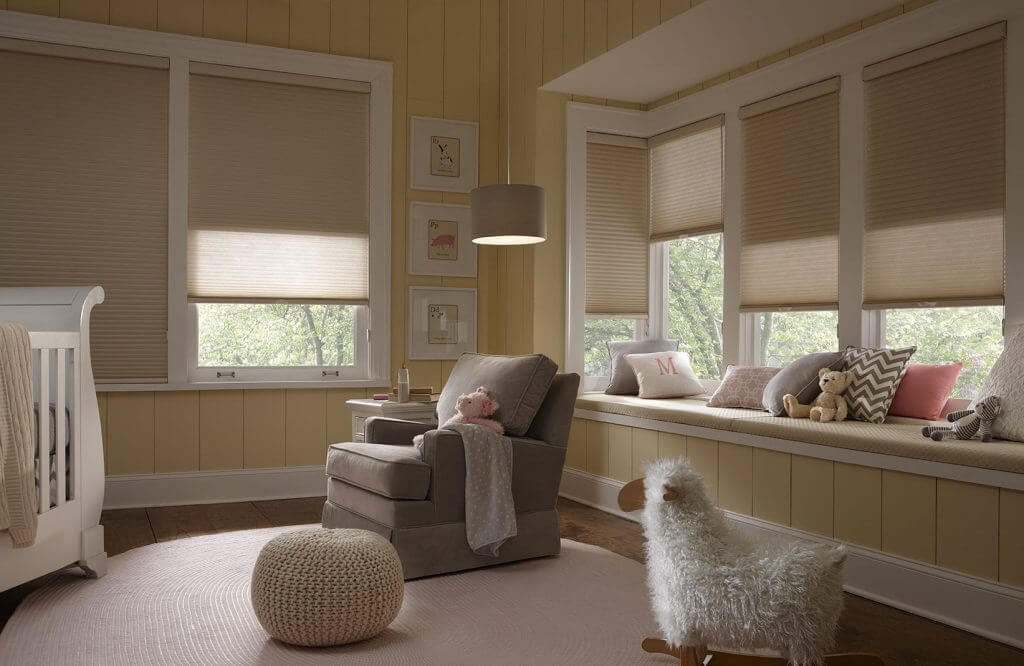 Tandem Shade    Looking for versatility? Here's a dual shade that gives you a light filtering pleated honeycomb shade in the front for privacy and a blackout roller shade in the black for room darkening.