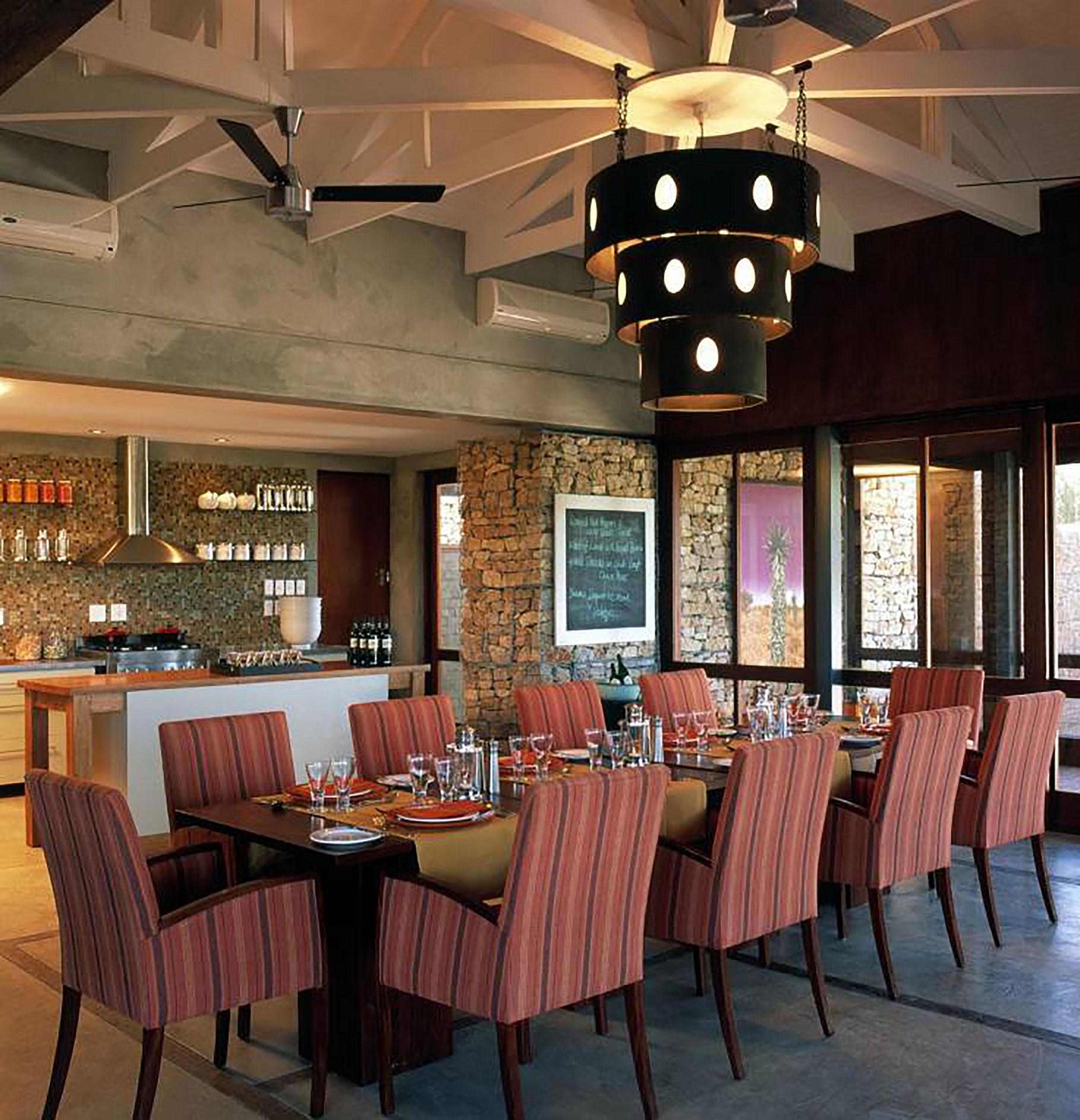 Kwandwe - Ecca - Dining room.jpg