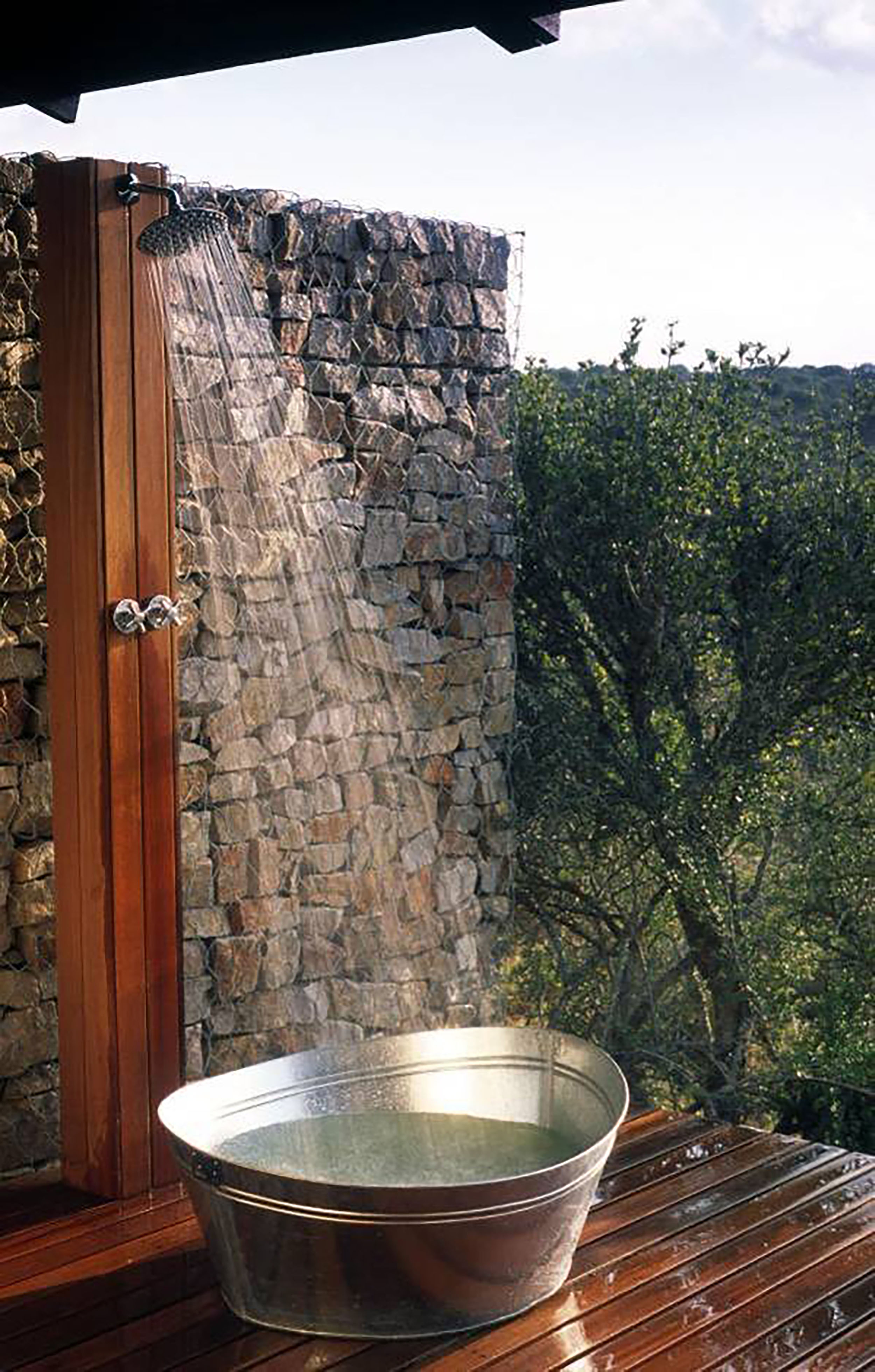 Kwandwe - Ecca - Outdoor shower- ecca.jpg