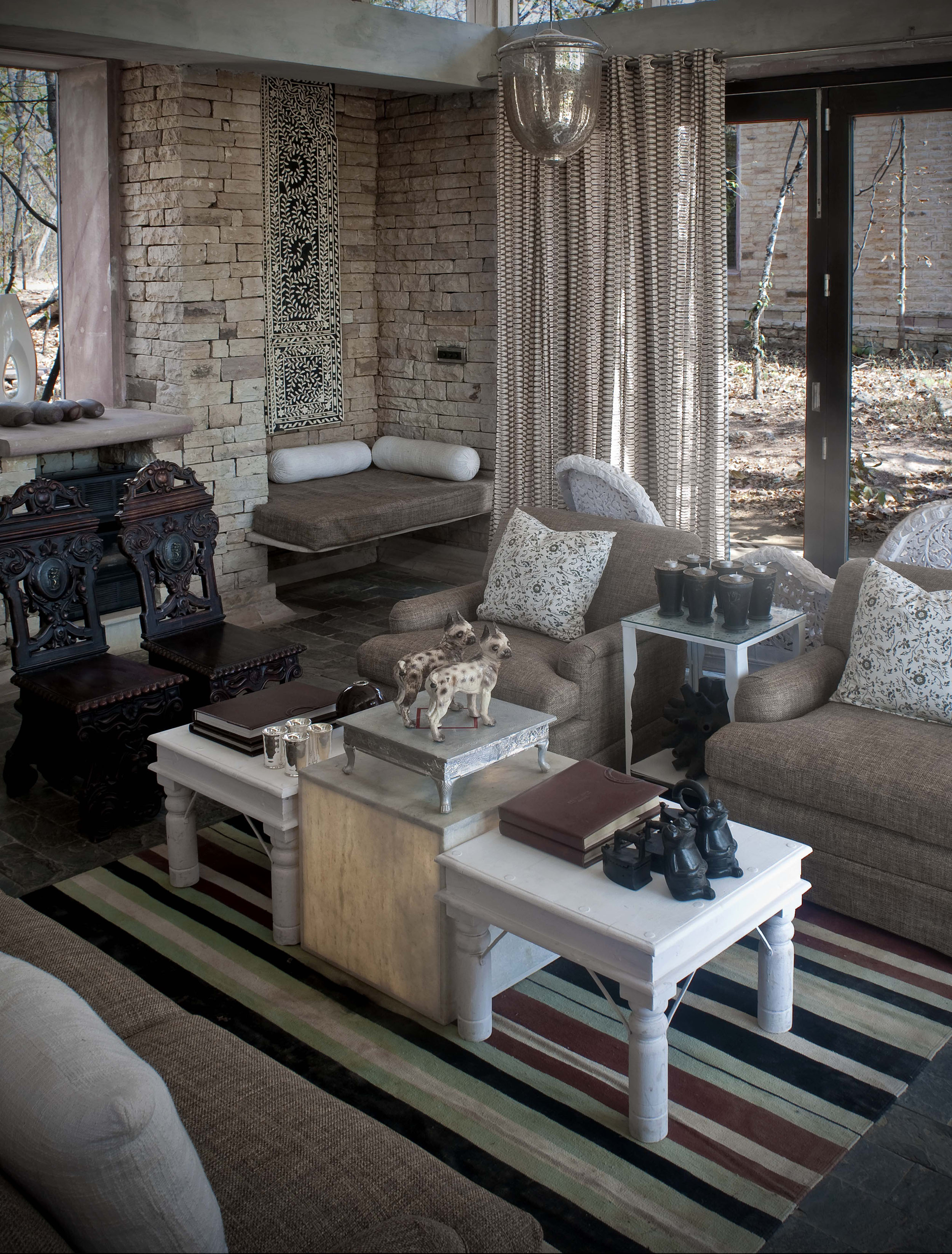 Lounge Area - Pashan Garh, Panna National Park.jpg