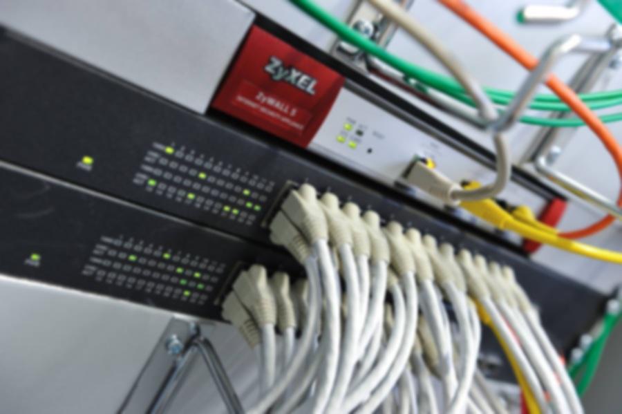 Netzwerk-LÖSUNGEN für den Privat & Business Anweder - Umfassendes Produktsortiment im Bereich Netzwerk-Technologien. mit Modems, Router, Switches, Firewalls, W-LAN und VoIP-Lösungen decken wir die Netzwerk- Bedürfnisse vom Privatkunden bis zum mittelgrossen Unternehmen aus einer Hand ab.