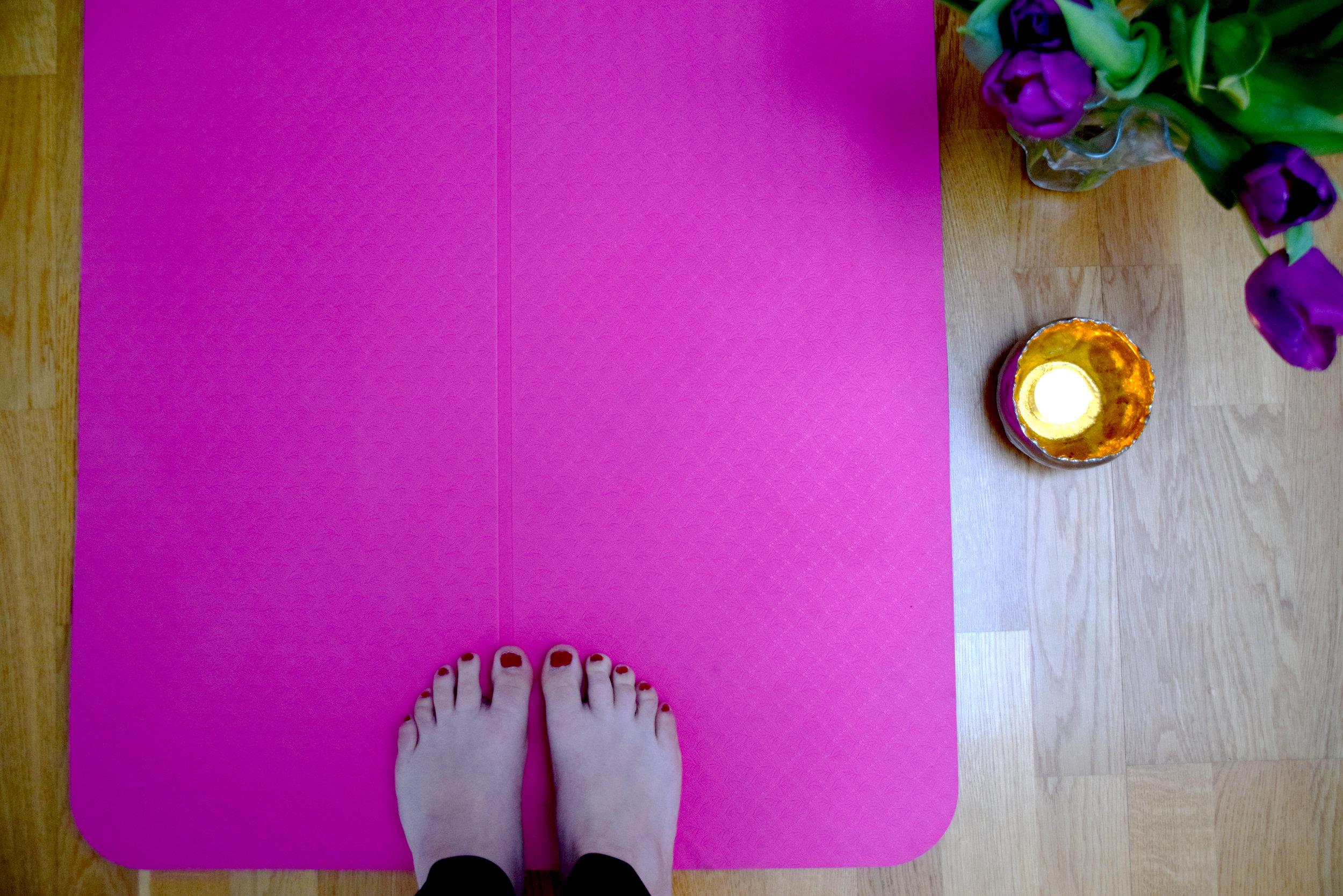 YogaFlowersToes.jpg
