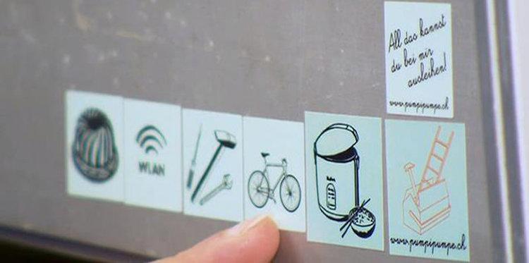 Abb. 1: Briefkasten mit  PumpiPumpe  Sticker.