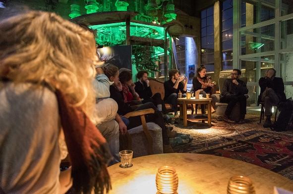WANNEER - Platform Dramaturgie #4 vindt plaats op zaterdag 22 december van 14.00 - 20.00 uur tijdens Winternights Festival in Het Radium (Sphinxkwartier) in Maastricht.