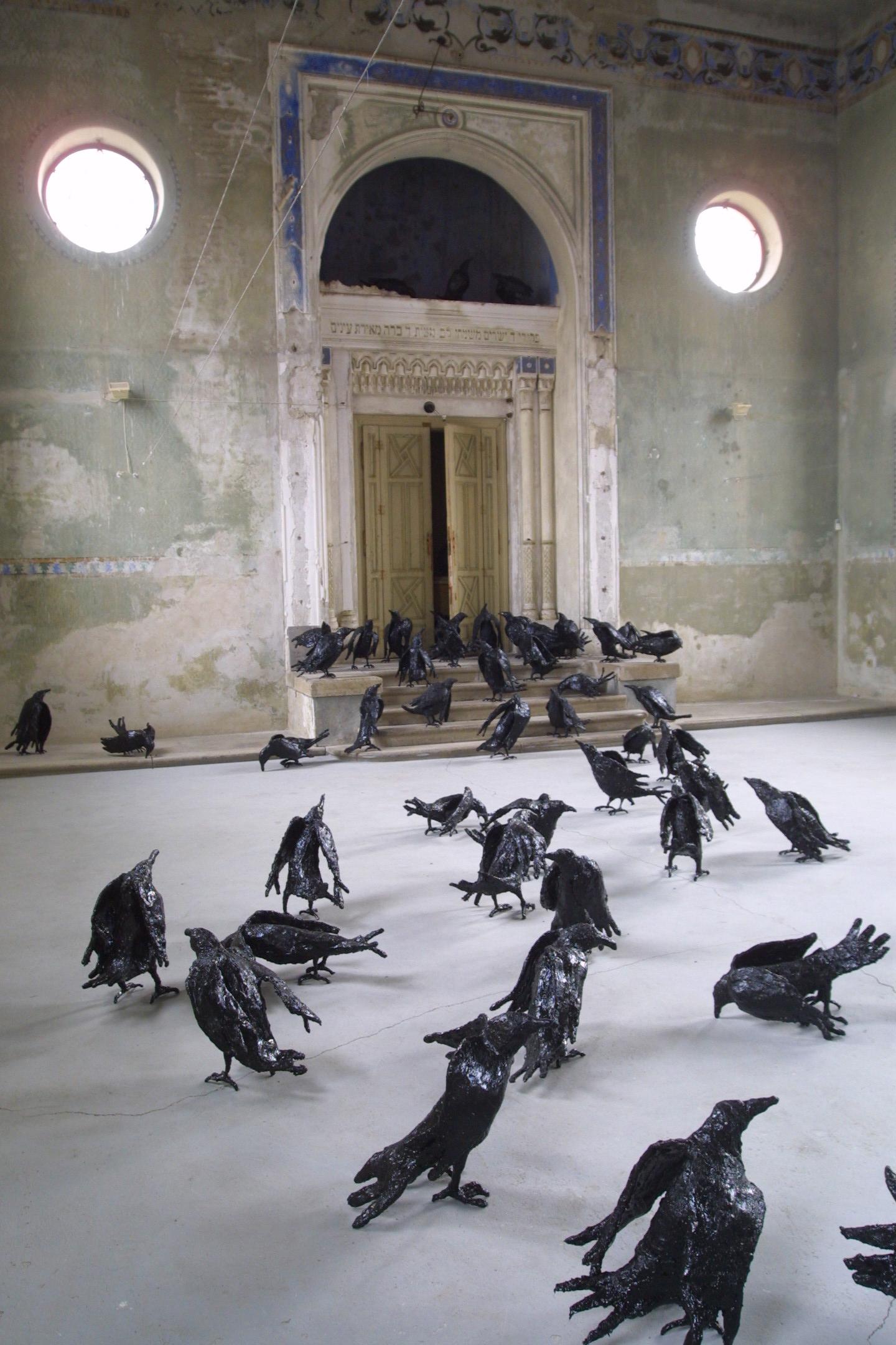 Sculpture Grillage A Poule sigismond de vajay— among them (2002 -2005)