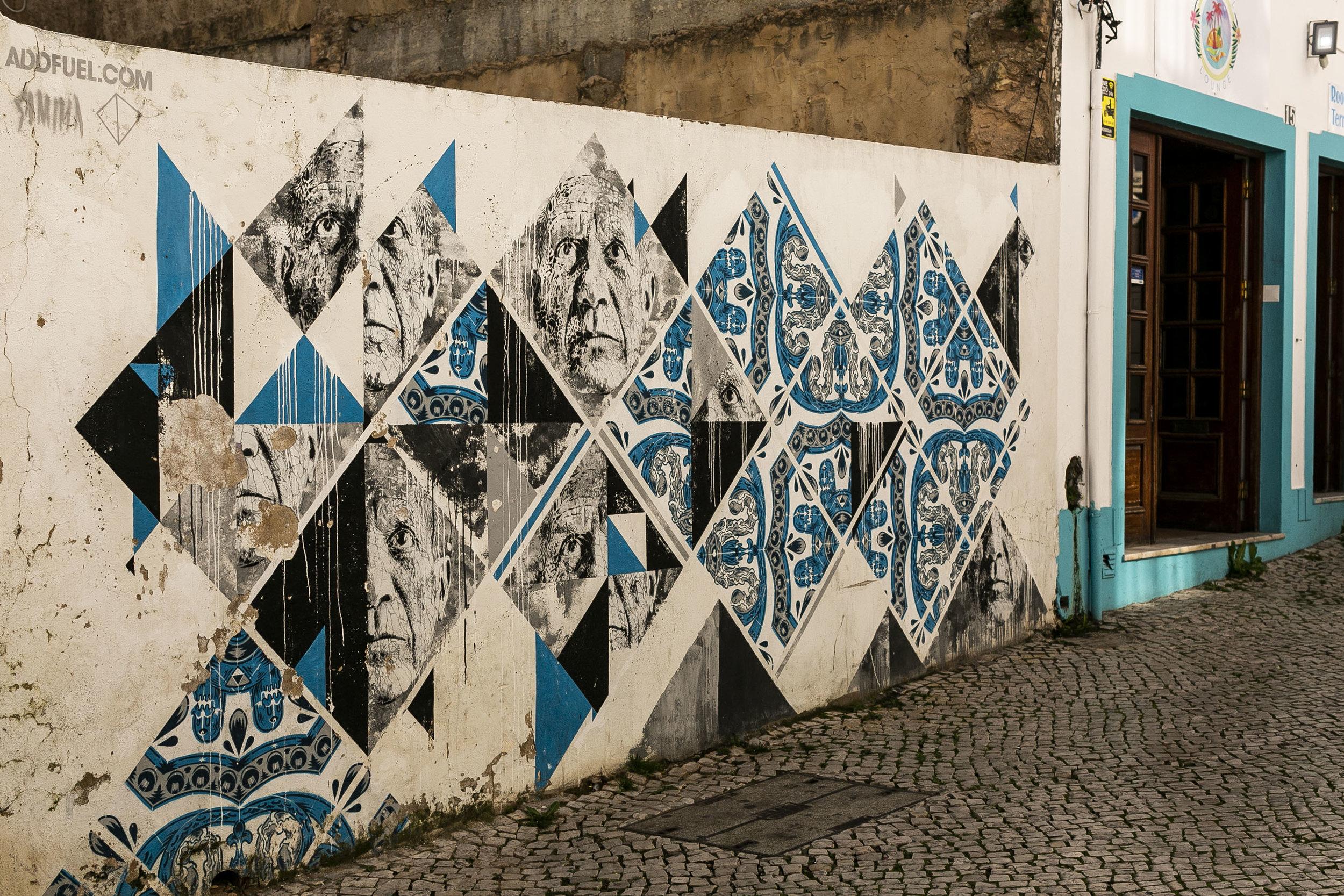 LAC urban art tour09.jpg