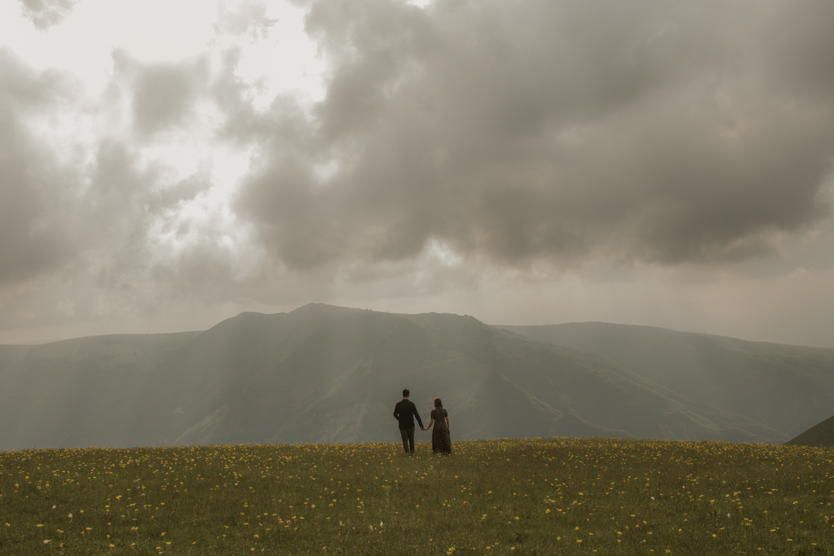 L & E - Engagement on the Sibillini Mountains