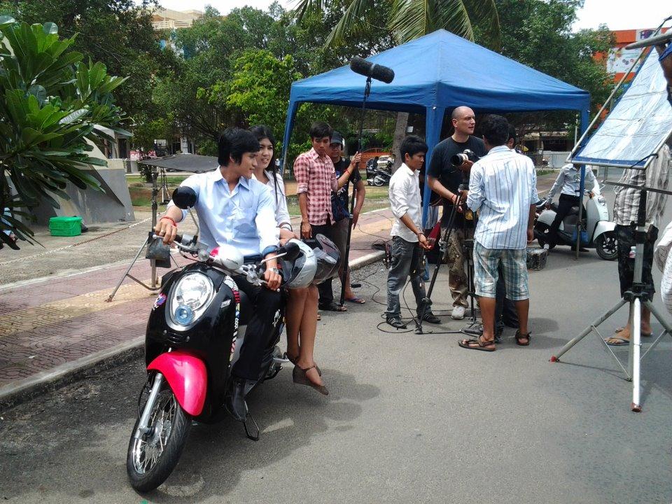 Organisation Mondiale de la Santé - Tournage d'un film de sensibilisation au port du casque a Phnom Penh, réalisé par OCM