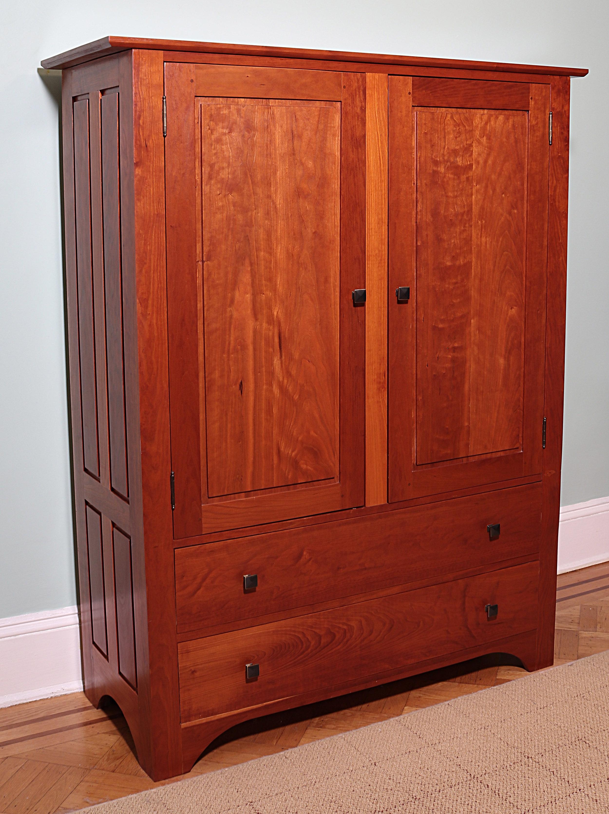 Shaker - Armoire - Linen Cabinet