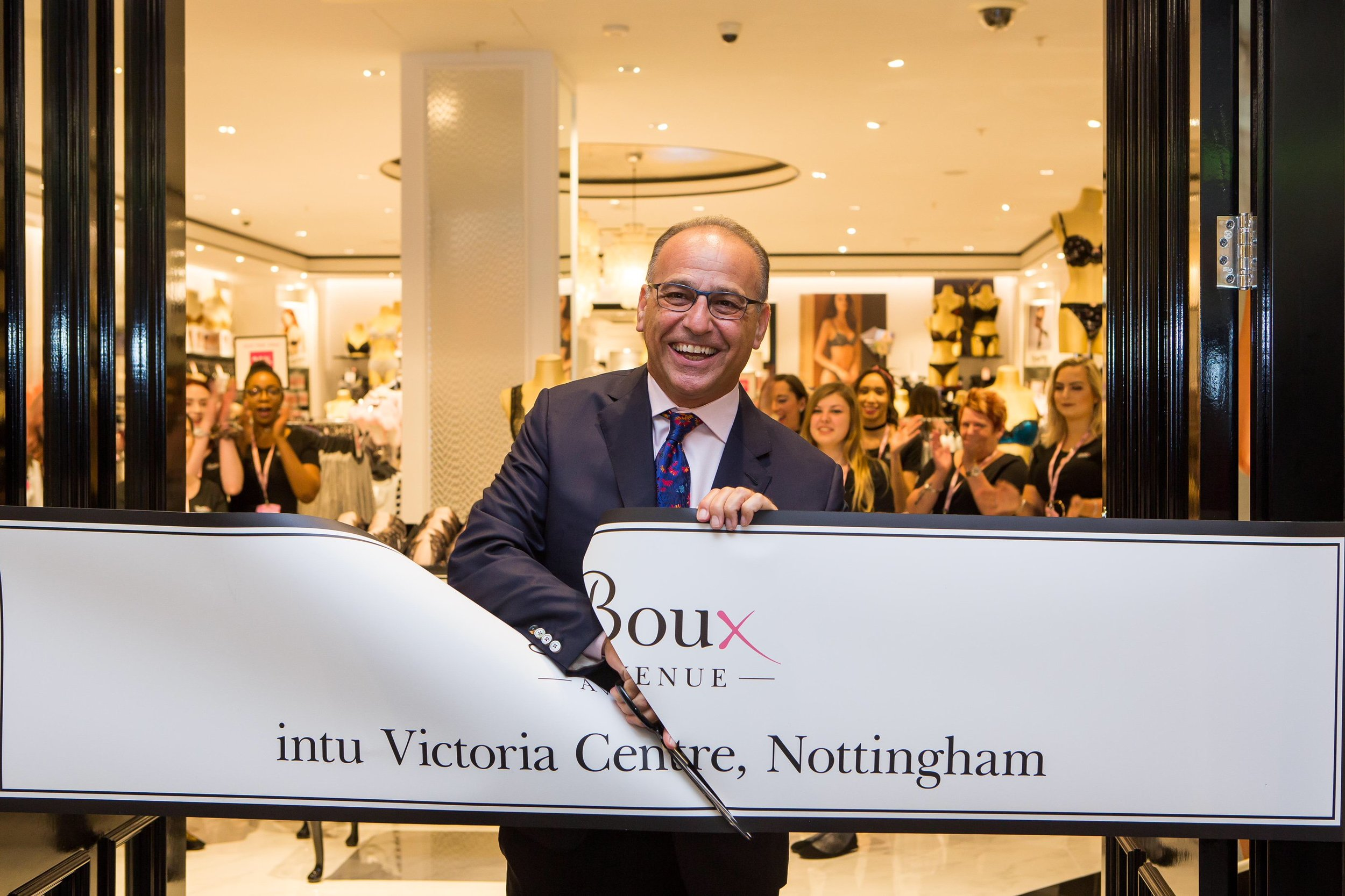 SWNS_THEO_PAPHITIS1 (1).jpg