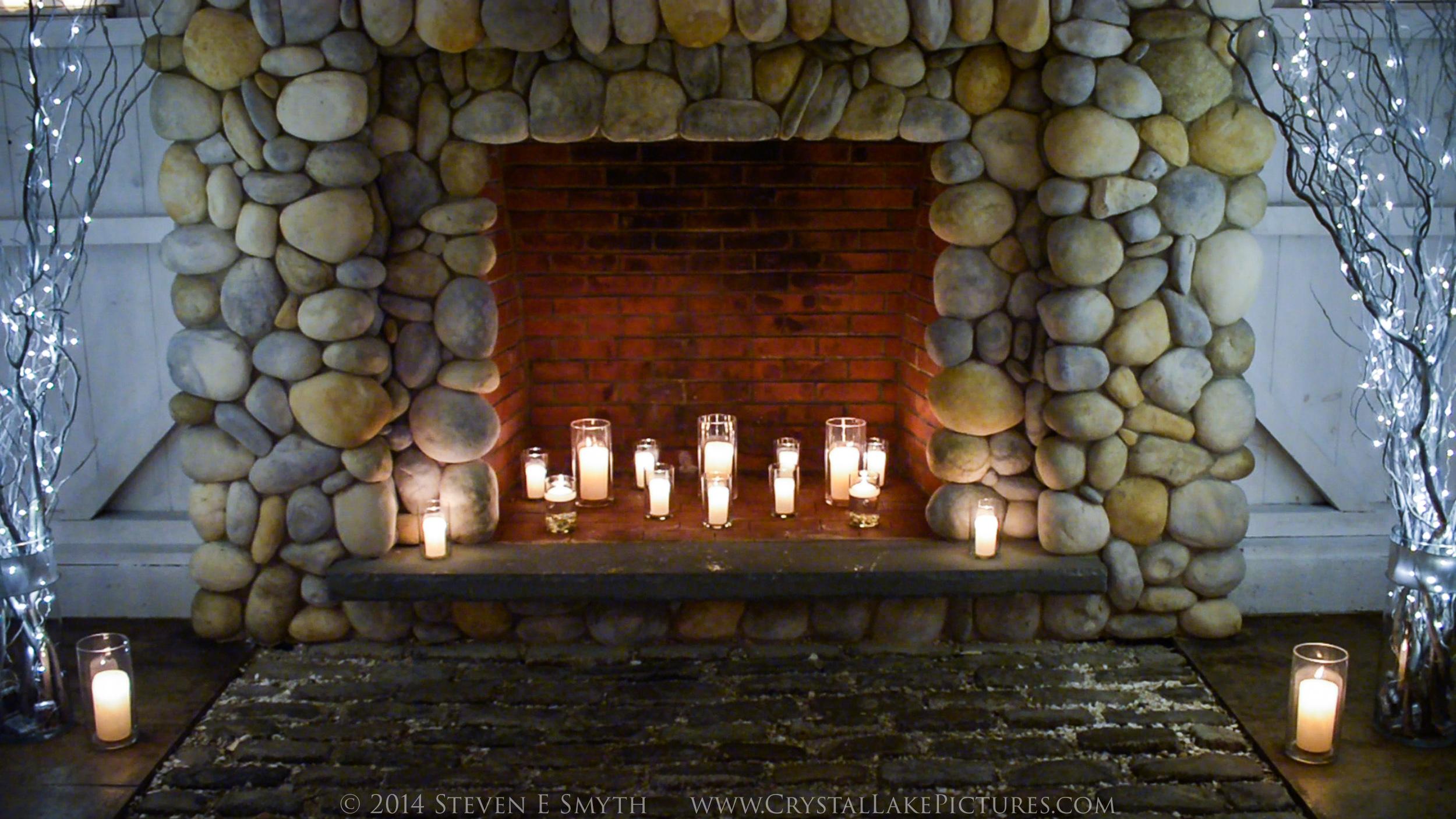 0009_2014NYE_fireplace-2.jpg