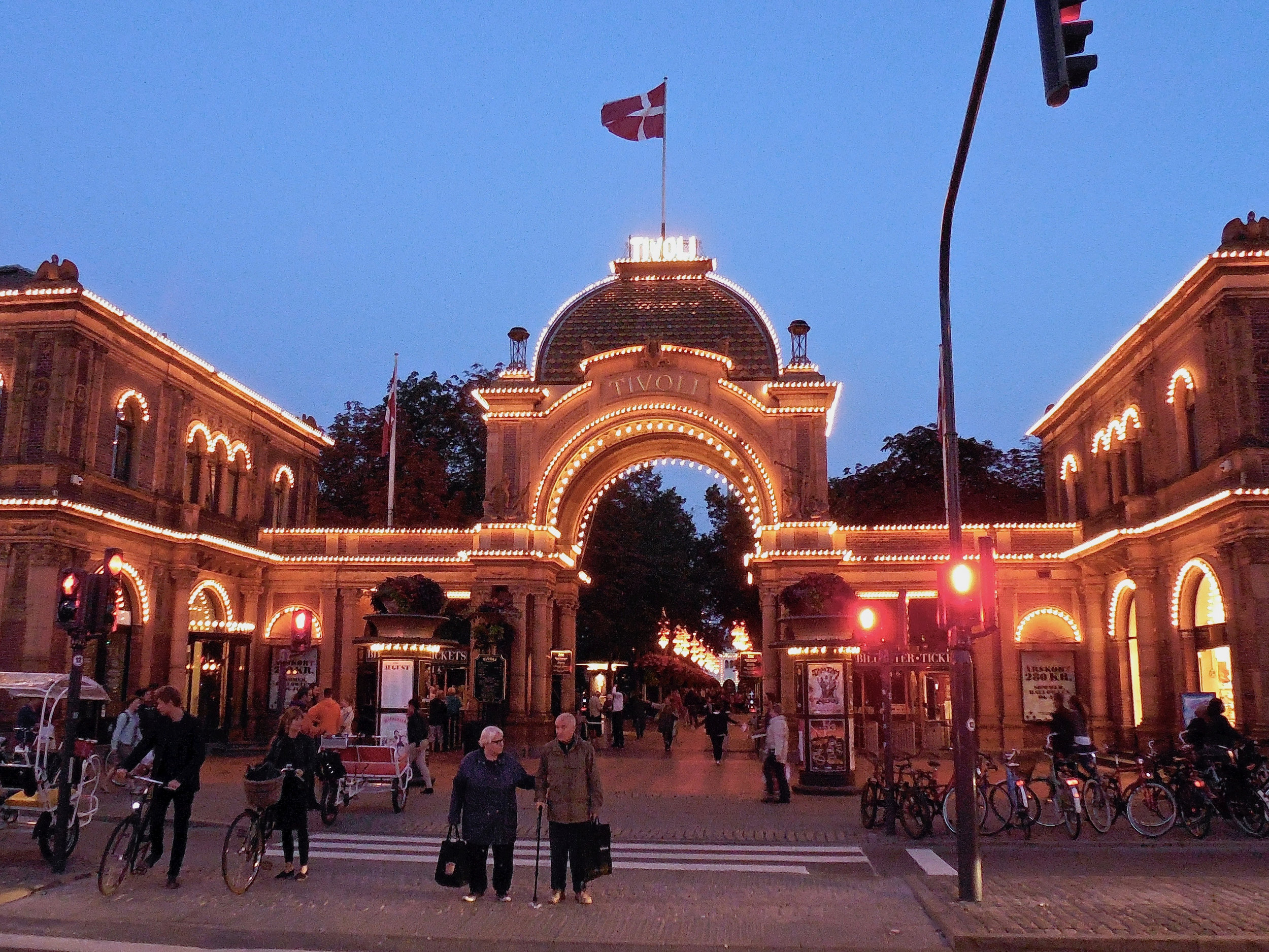 Entrance to Tivoli at night