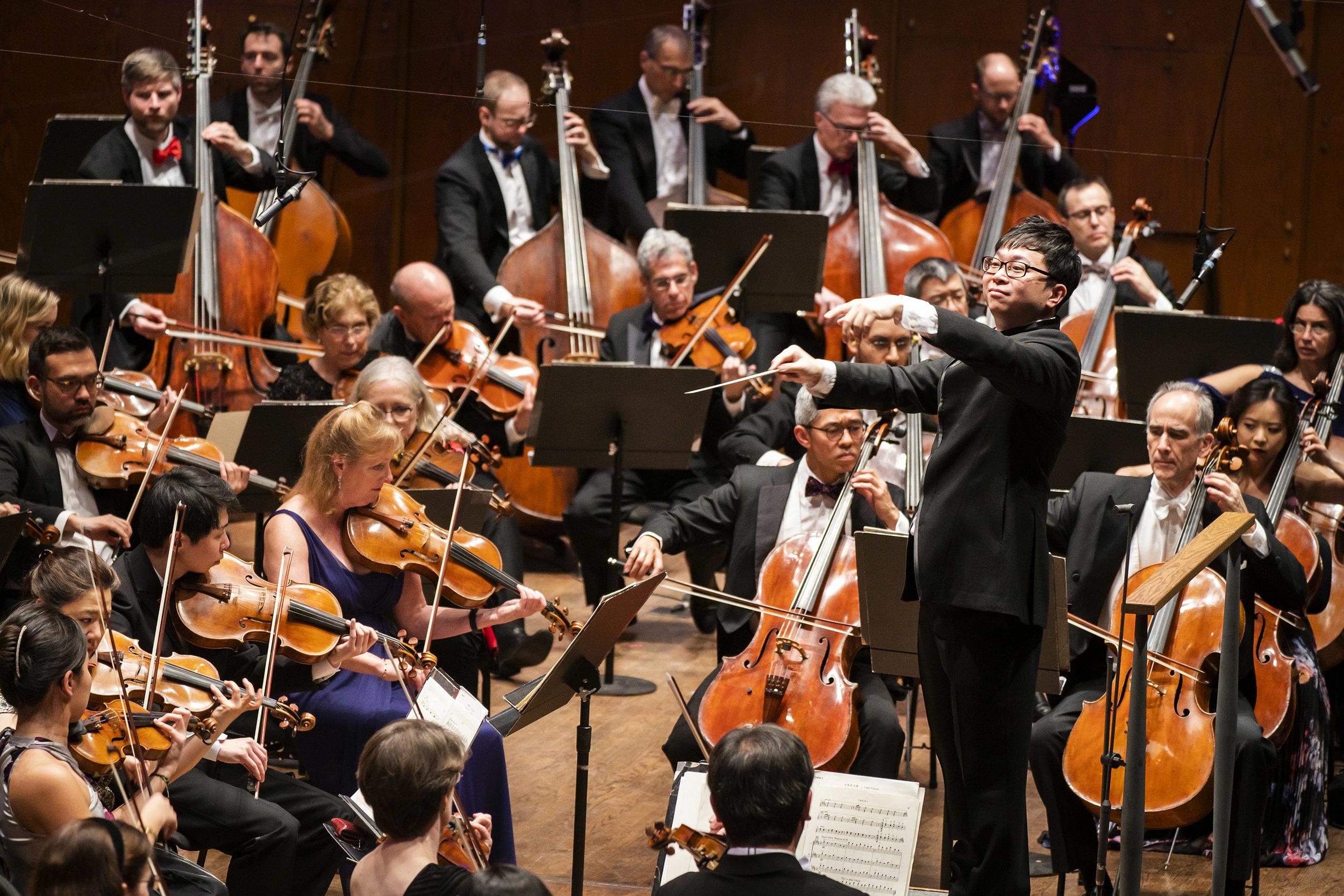 Kahchun Wong conducting the New York Philharmonic. Photo: Chris Lee