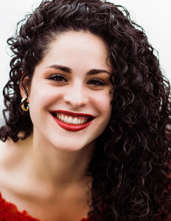 Alexandra Urquiola, Mezzo-Soprano