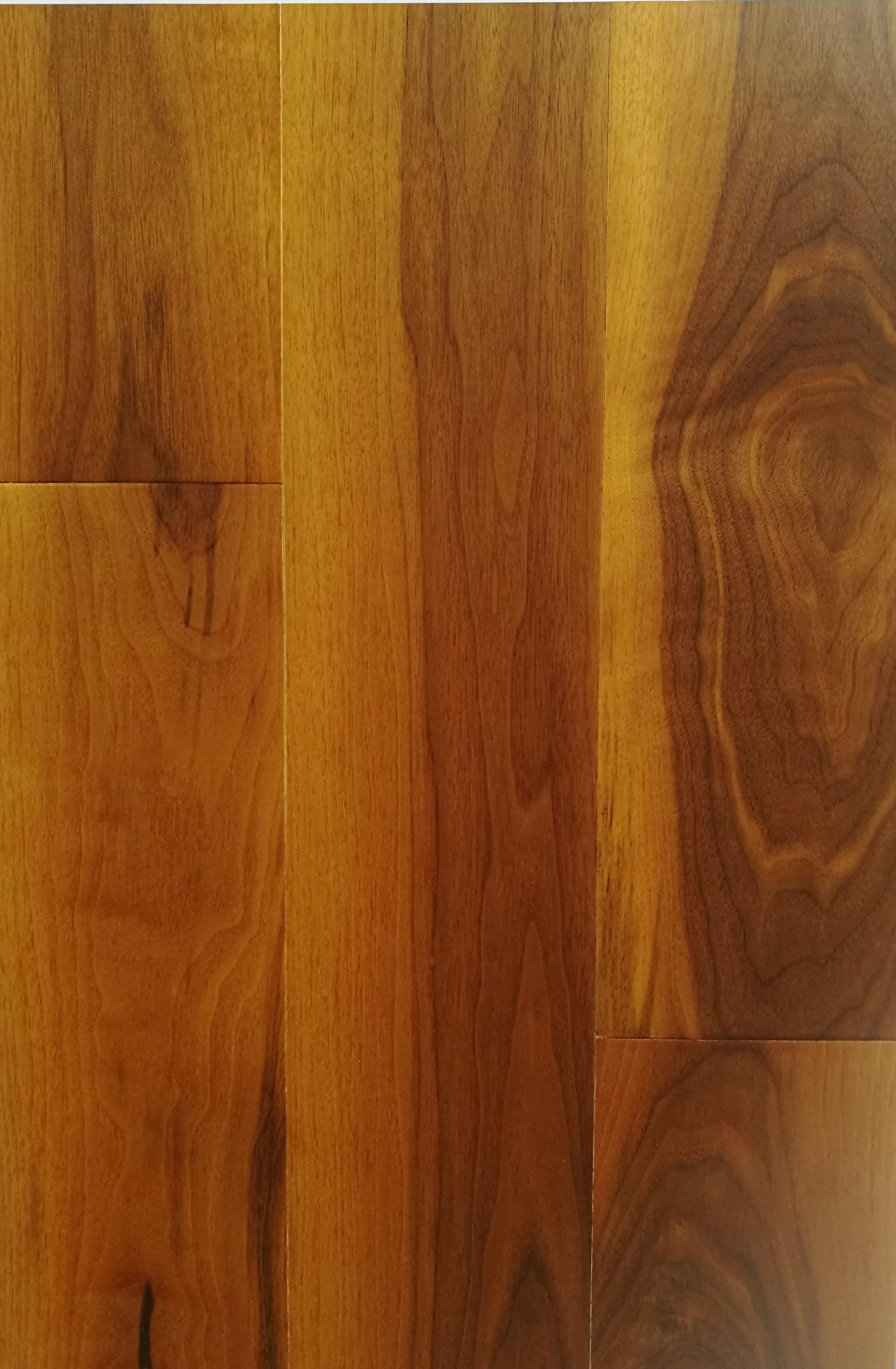 - Quiet Click Wood