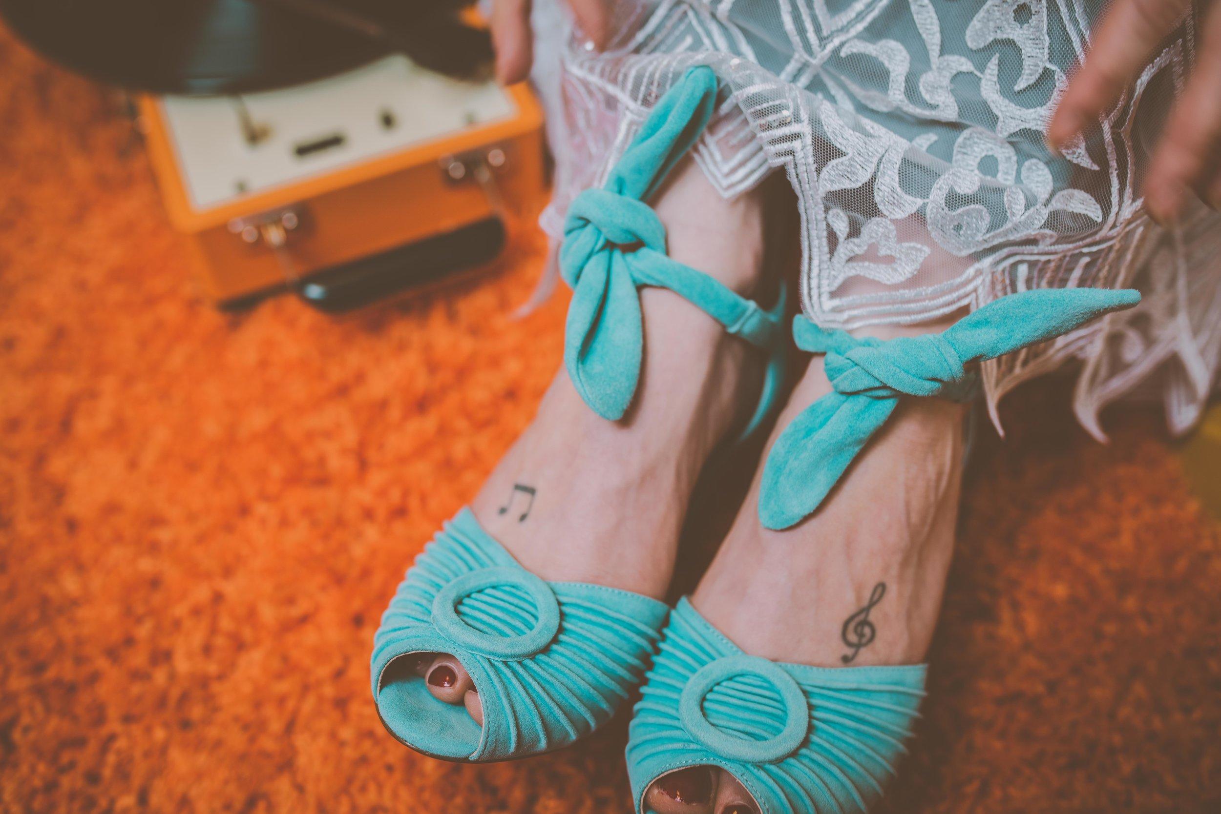 Lucy Cant Dance Modern Bridalwear Cool Bride 70s wedding inspiration 00020.jpg