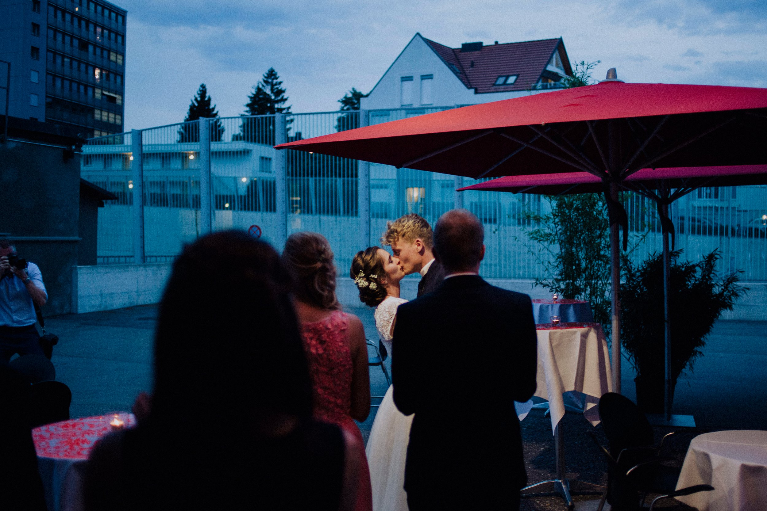 Manon Pauffin Modern Wedding Documentary Photography 00015.jpg