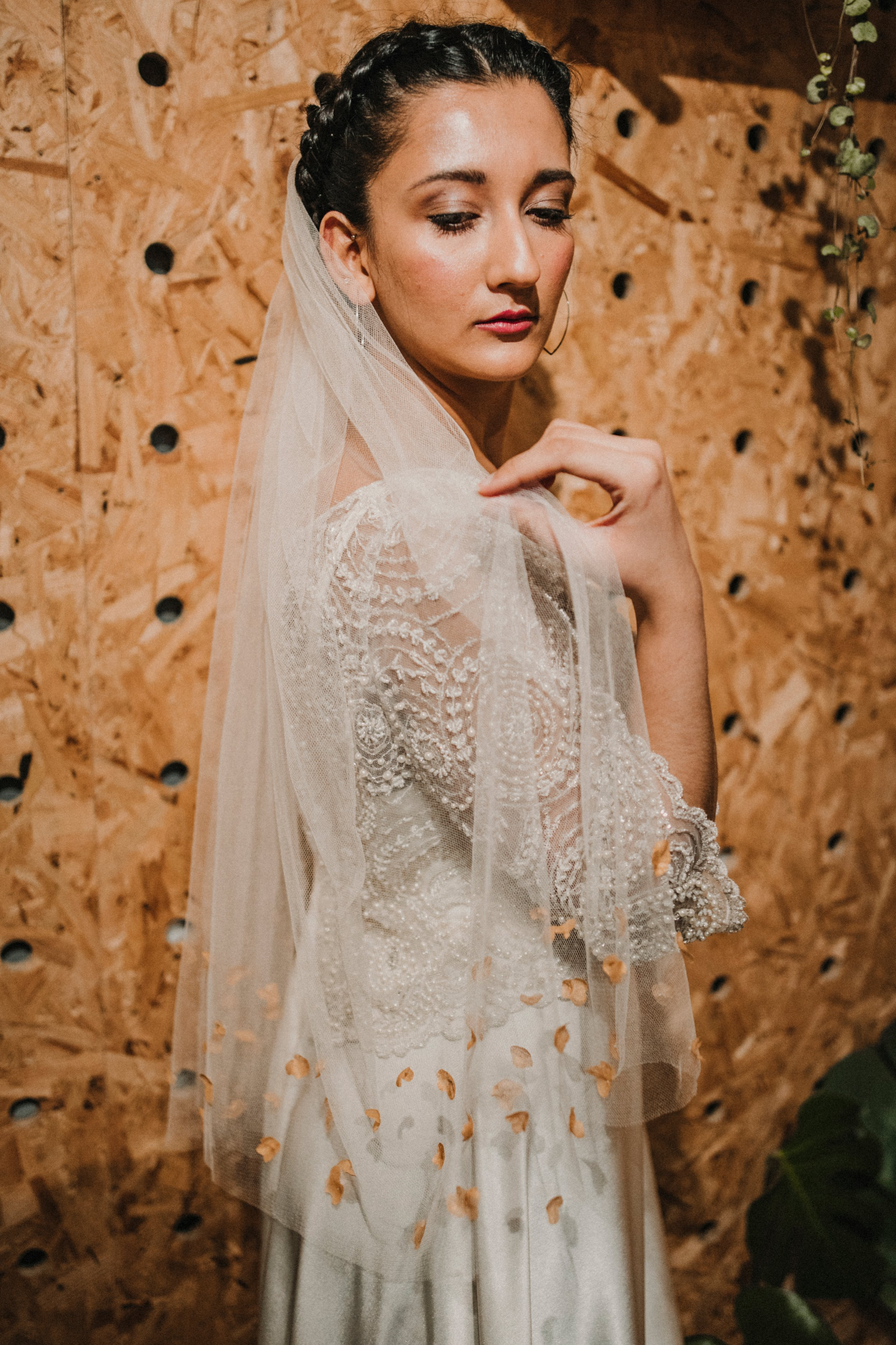 Claire Hill Designs Contemporary Modern Wedding Accessories and Headpieces Fashion Bride 00004.jpg