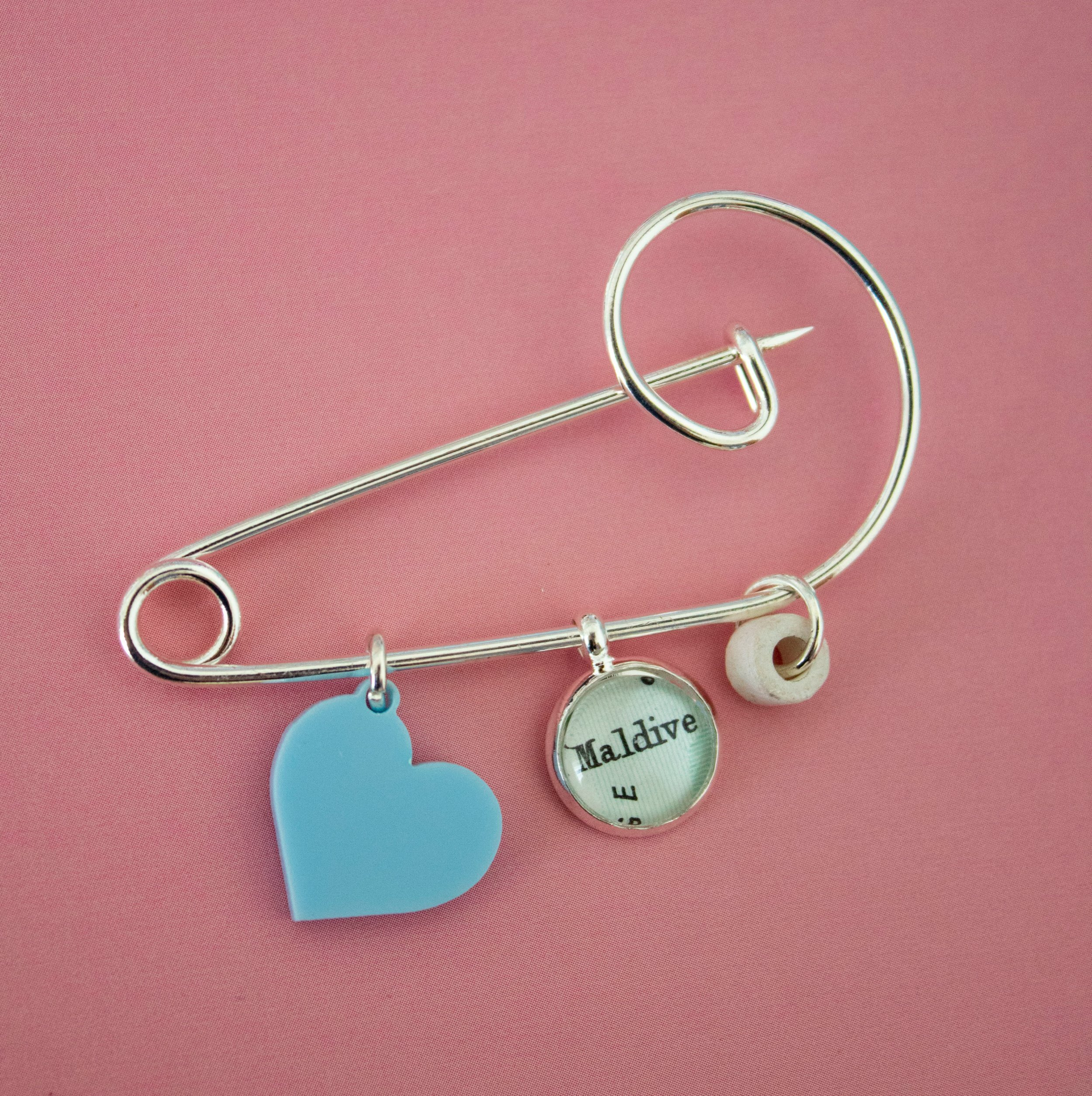 The Token Hunter Travel Charms and Souvenirs Wedding Favours Gifts 00005.JPG