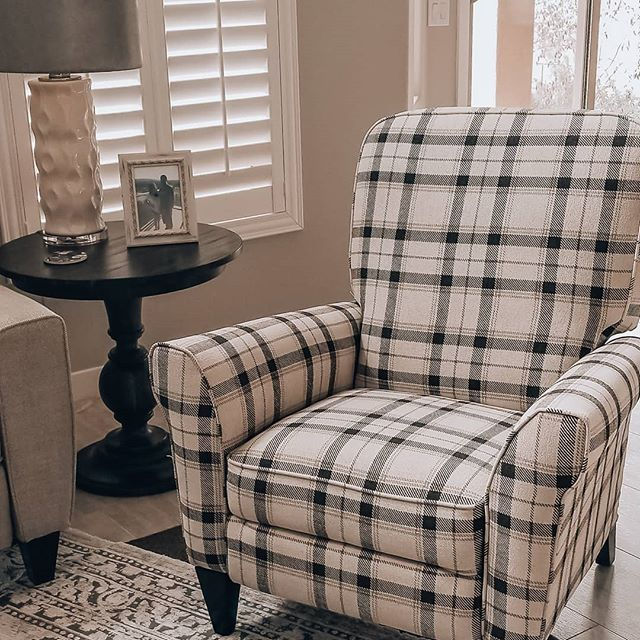 Plaid Haven Chair from La-Z-Boy! #designelement  #plaid #La-Z-Boy #plaidchair