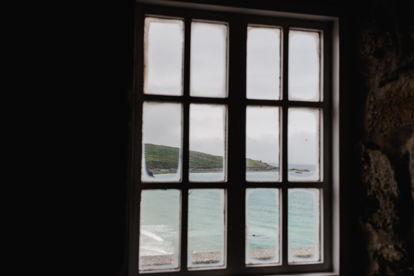 About - A long weekend in a beachside cottage overlooking St Ives Bay. Explore this part of Cornwall with a small group of like minded photographers and leave feeling rested, grounded and inspired.