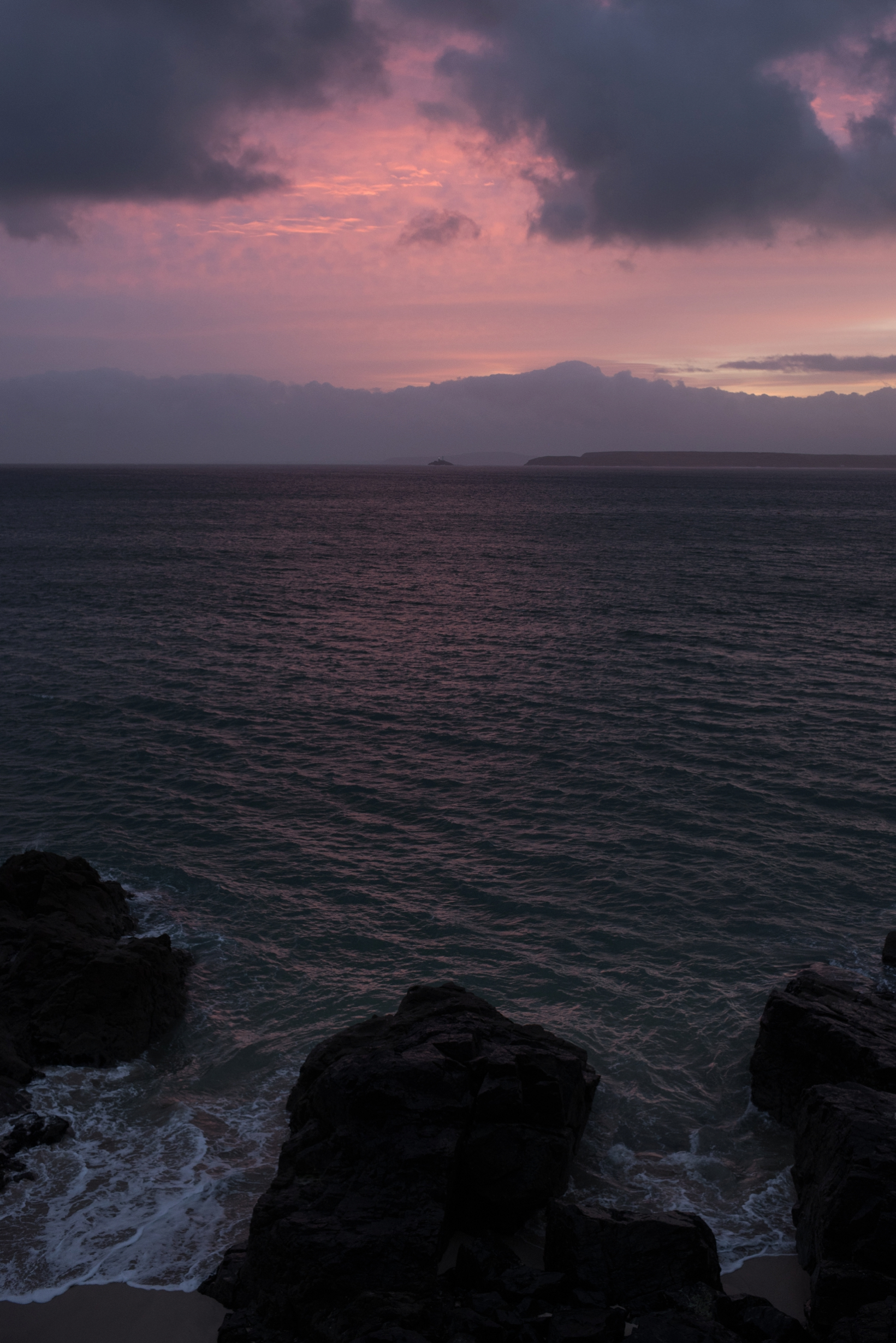 Discover - Dawn adventure to photograph sunriseCoastal walk to find views of Godrevy Lighthouse and seals resting in their covesNight Sky long exposure skills