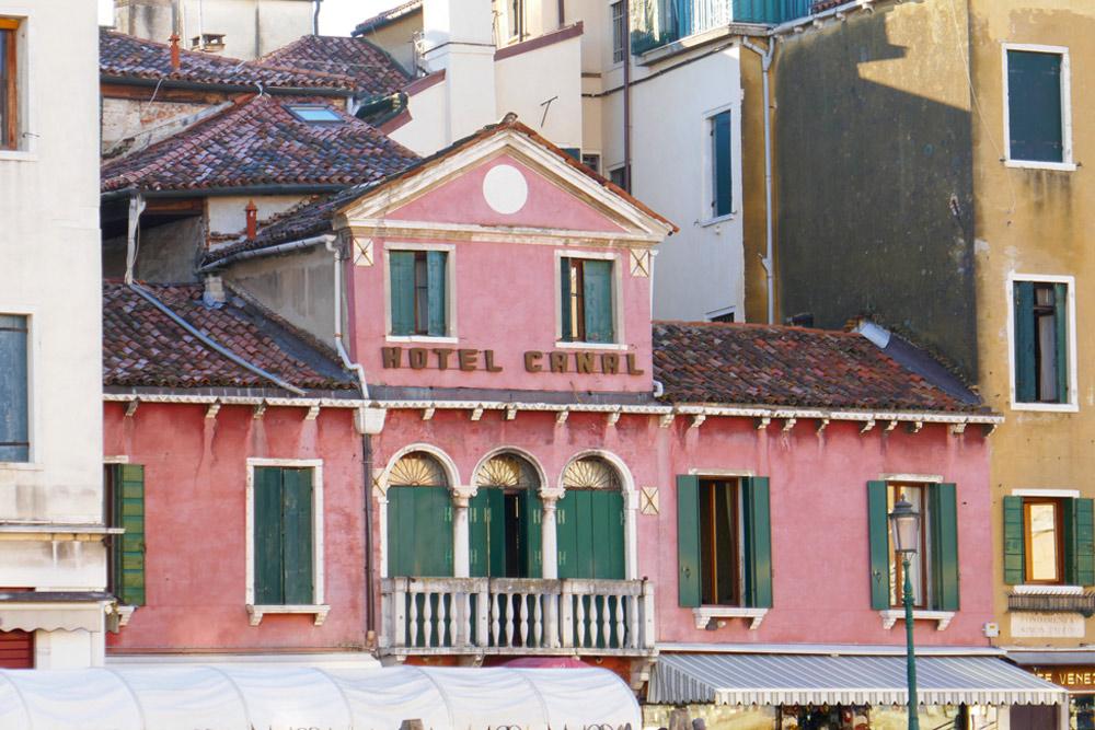 Hotel Near the Scalzi Bridge