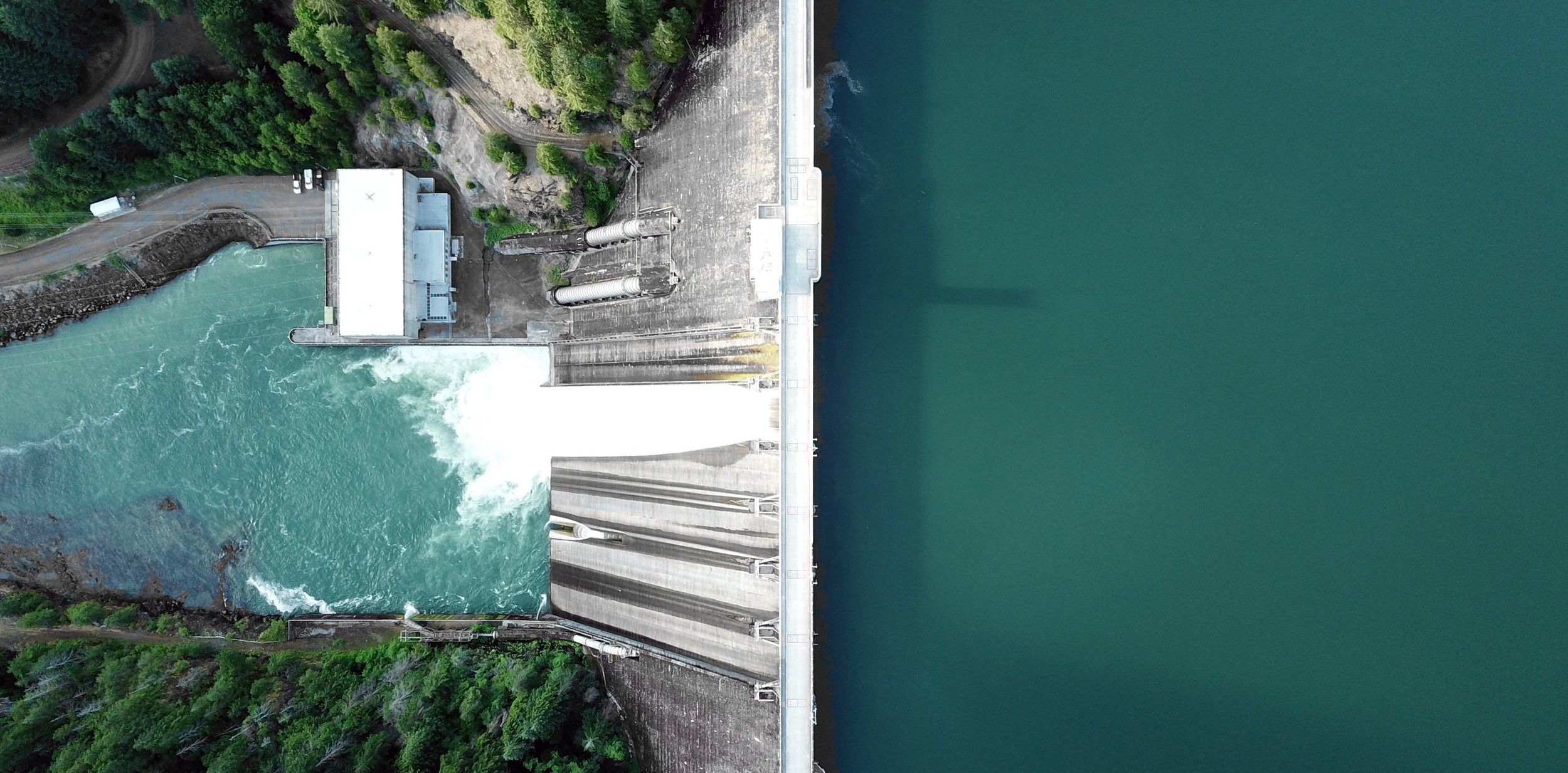 Detroit Dam, Detroit, Oregon, United States. Photo by    Dan Meyers    on    Unsplash   .