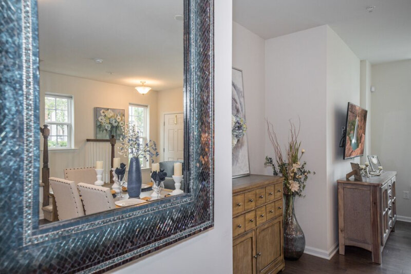 spaces-that-speak-home-staging-woodbridge-nj-statement-mirror-for-wow-factor.jpg