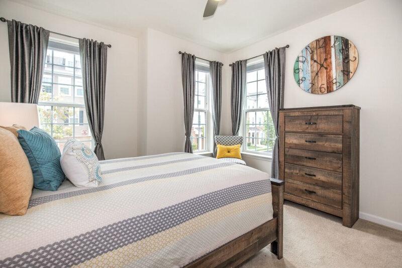 spaces-that-speak-home-staging-woodbridge-nj-furniture-clock-light-open-spacious.jpg
