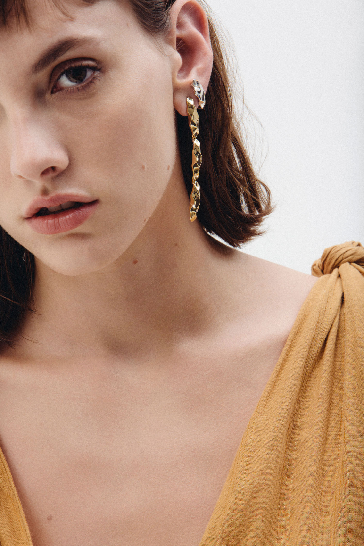 Giuliana-Mancinelli-Bonafaccia-songlines-dunes-earrings.jpg