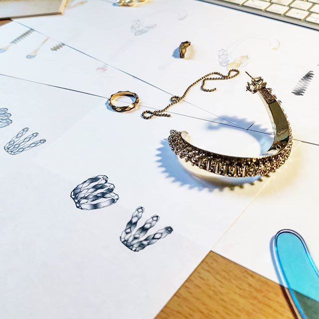 Work behind jewelry details 💕💎💕 #giulianamancinellibonafaccia ~ ~ ~ ~ ~ #jewelrydesigner #jewelrydesign #jewelrylover #jewelrygram #jewelryaddict #dangle #fashiondaily #pfw19 #itsfashionweekbaby #instajewelry #fashioniger #fashionbuyers #getthelook #fashionforward #designerlife #fashionjewelry #styletips #pfw #fashionsketch