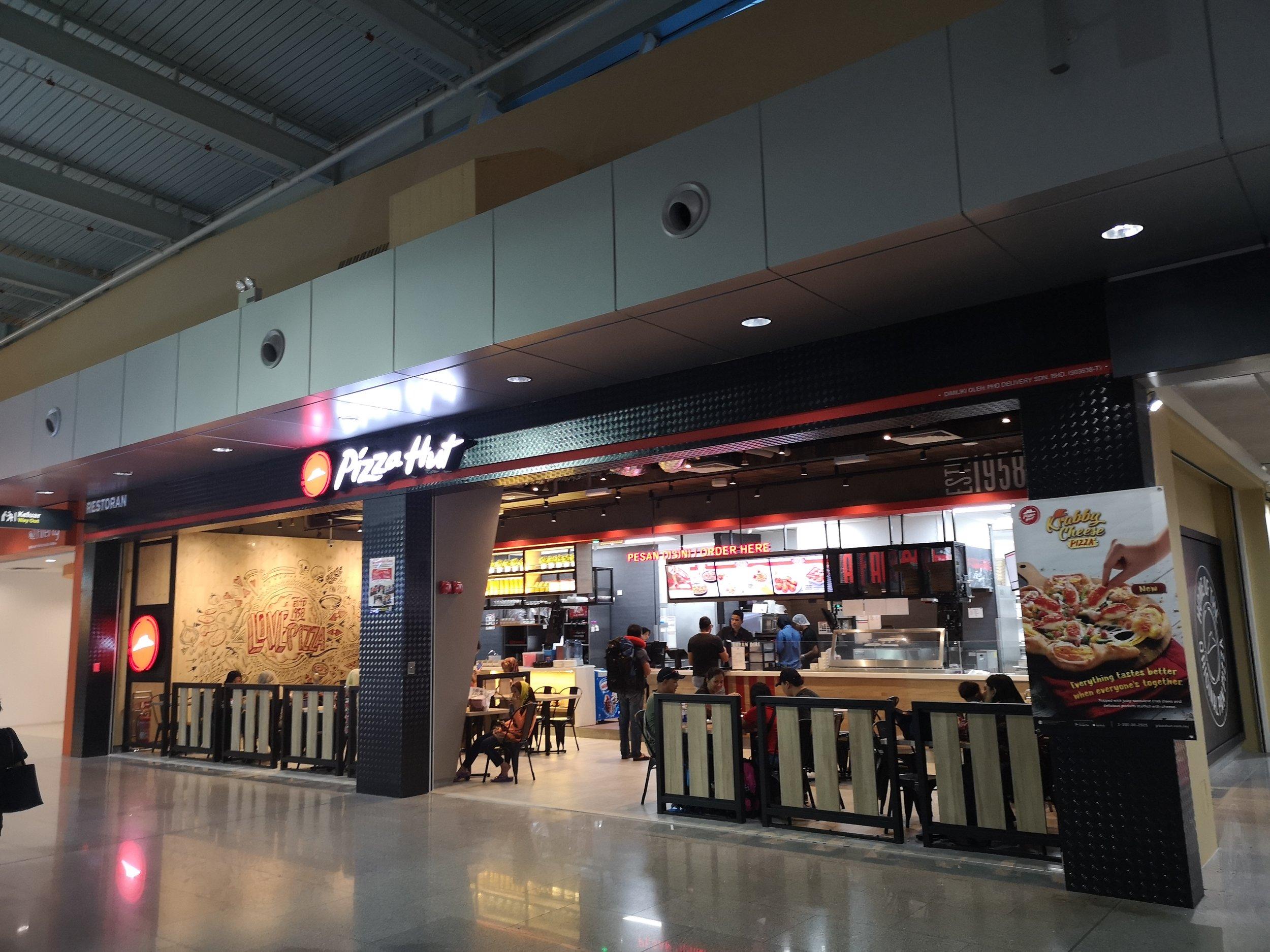 Pizza Hut Senai Airport