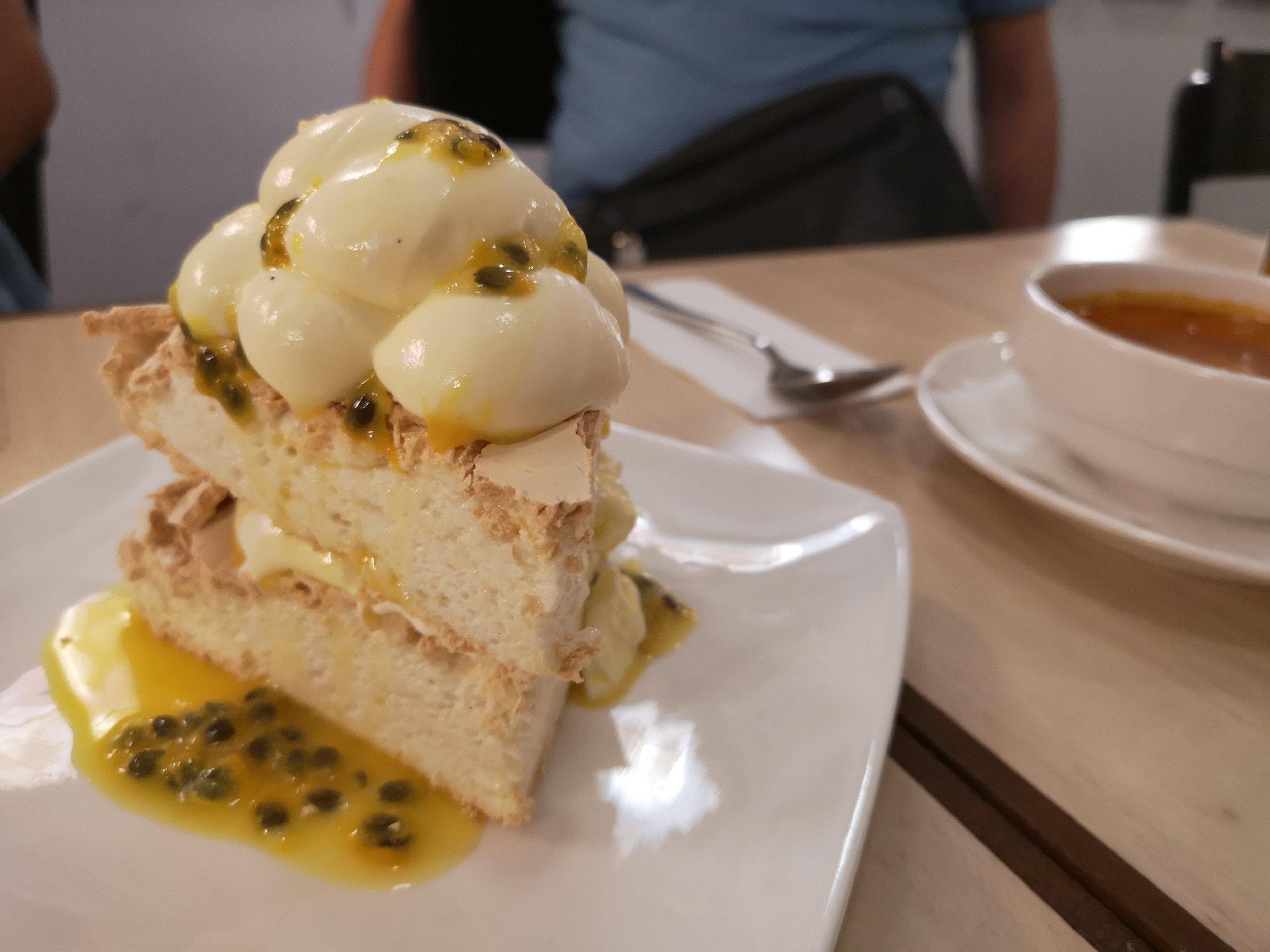 Passionfruit Pavlova with Lime Chantily Foo Foo