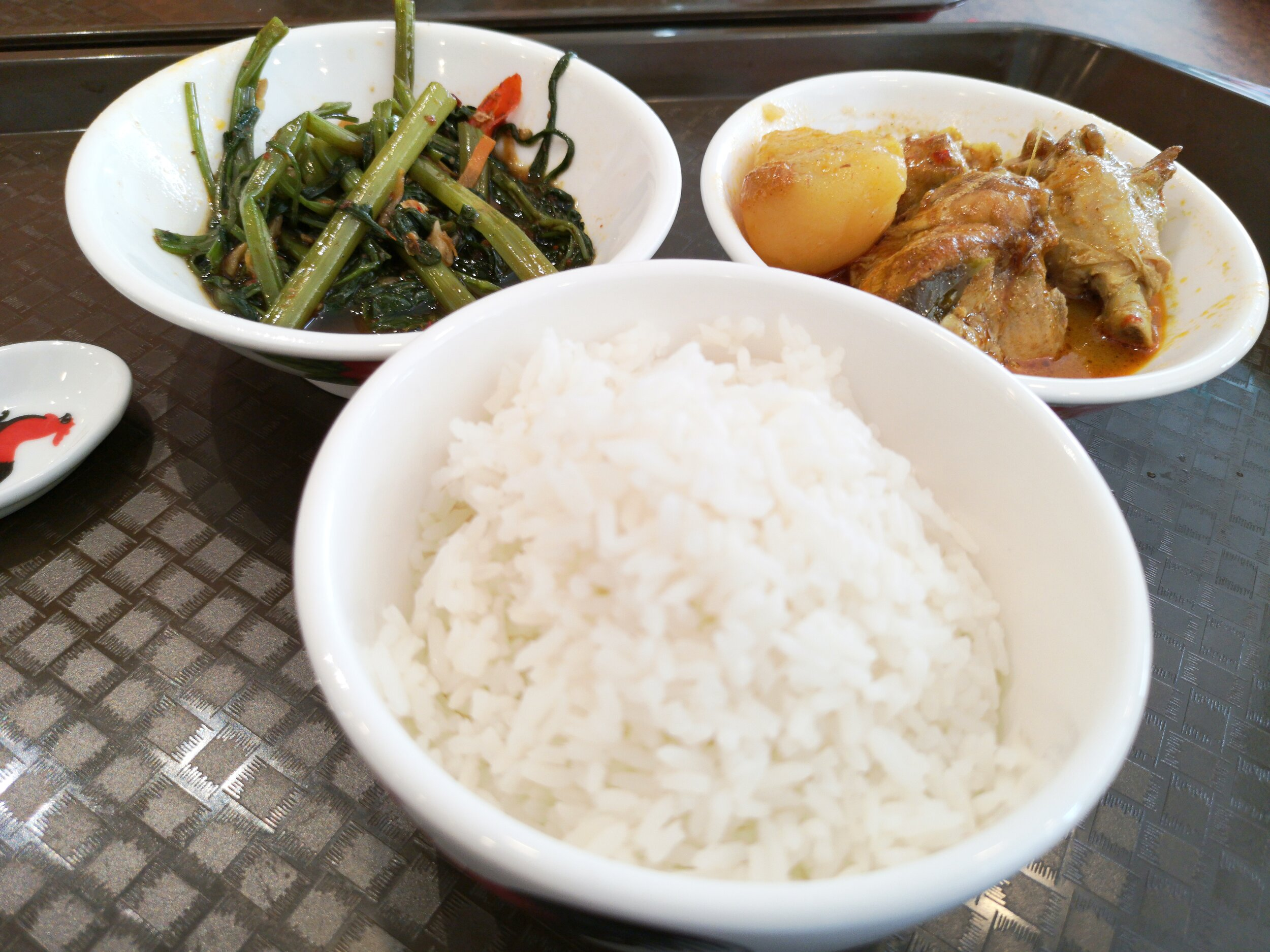 Sambal Kangkung and Curry Chicken with Rice (RM5)