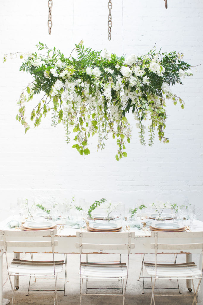FRESH & PRETTY SPRING PRIMAVERA TABLE - Featured on Beijos Events Blog