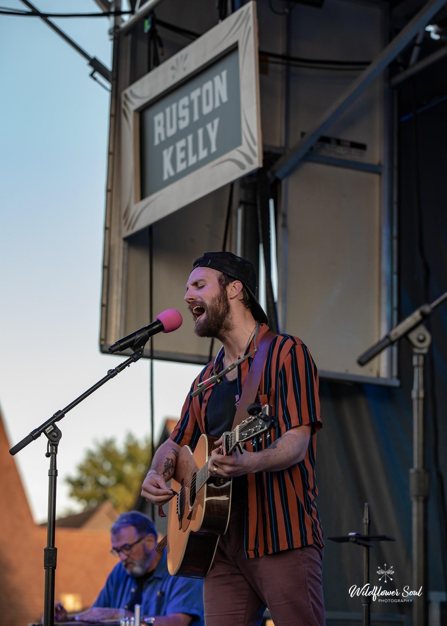Ruston Kelly