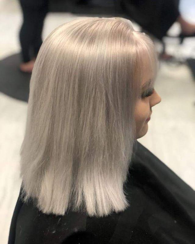 #blonde #ash #ashblonde #straighthair #bangs #nofilter  #lanza #bumbleandbumble #moroccanoil