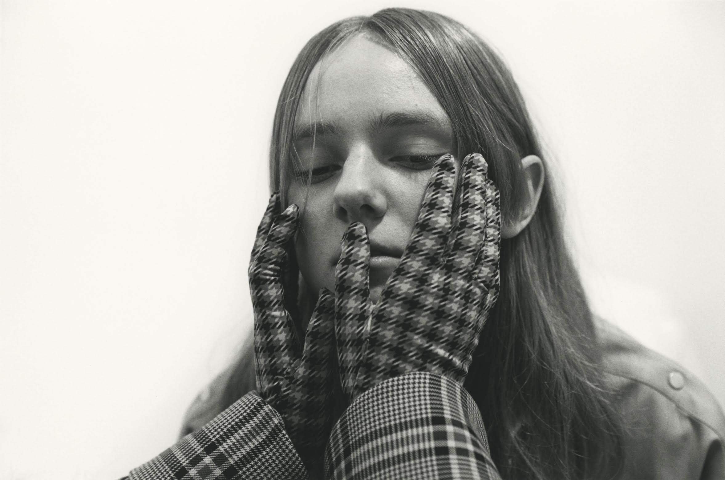 rokh_aw18_campaign_selfservice_fashion_collection_03.jpg
