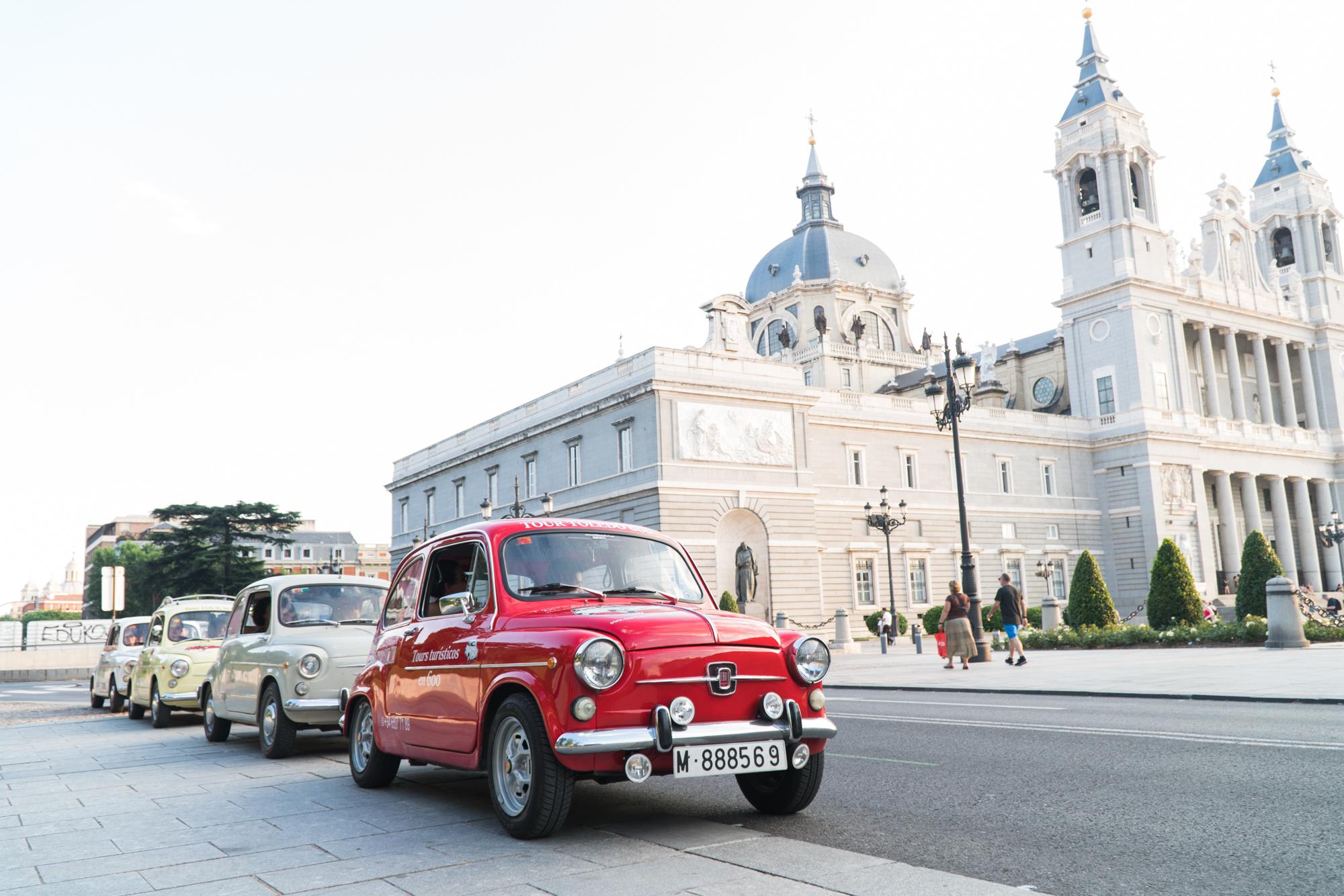 Asesinatos a bordo de un Seat 600: tour turístico por el Madrid histórico más aterrador