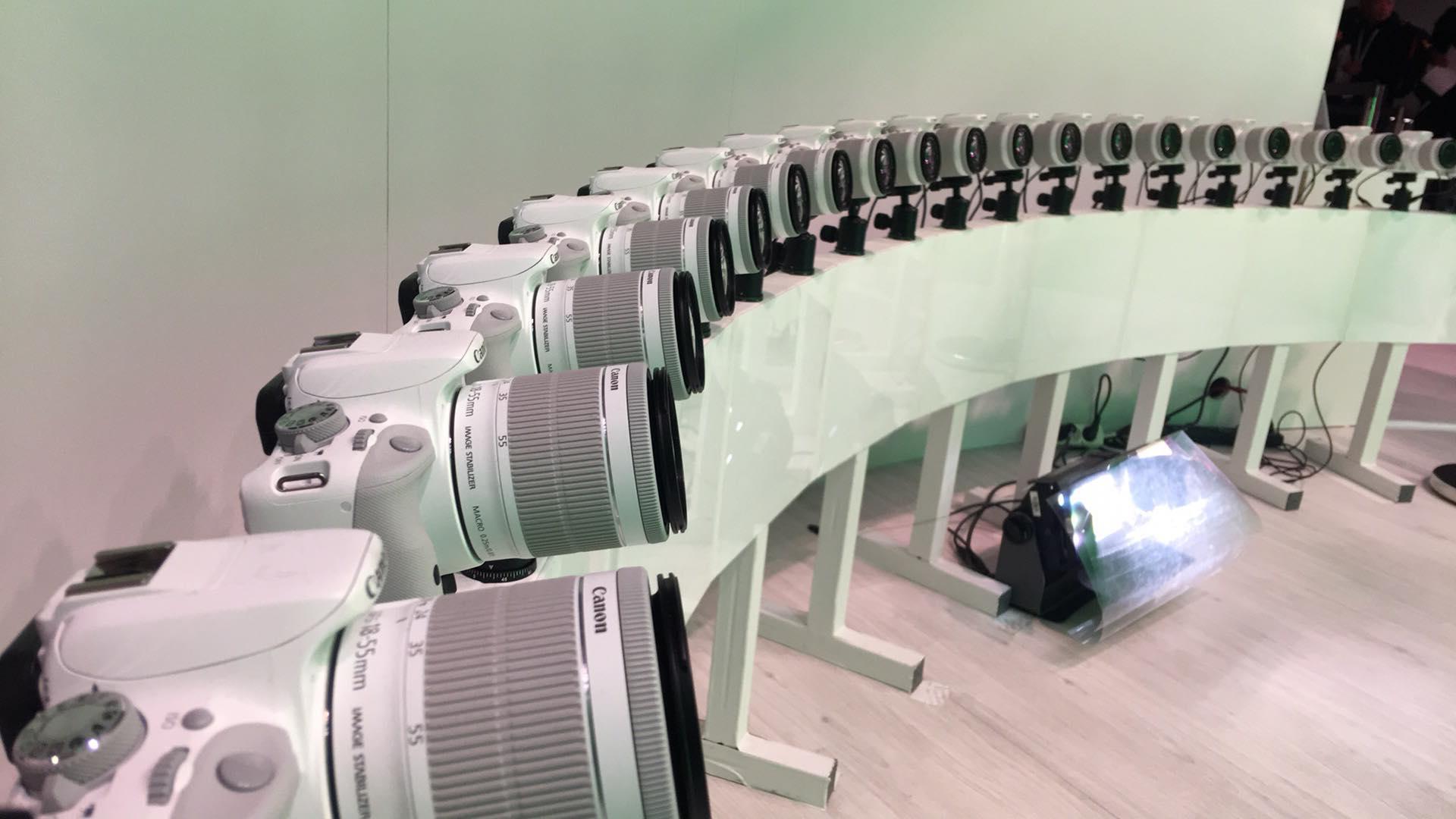 20 Canon DSLR